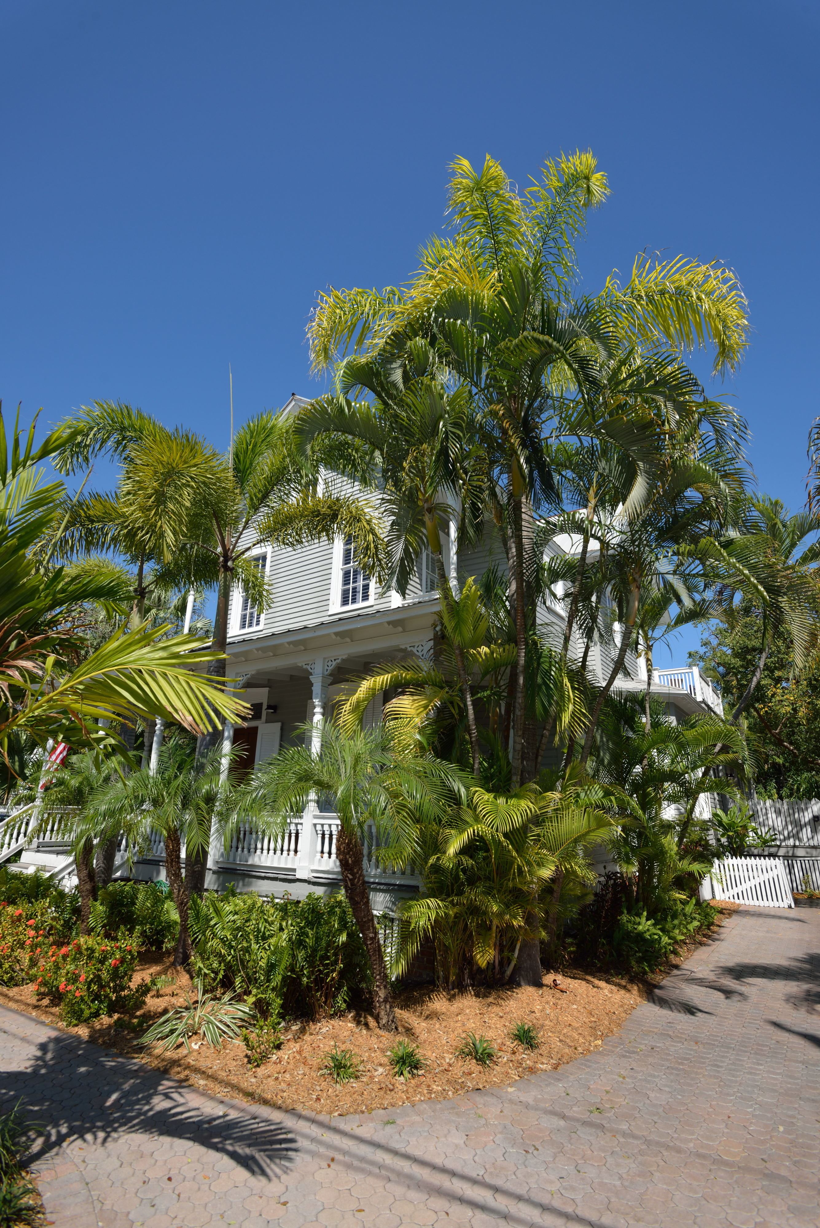 Chelsea house key west pictures Kanye West House Pictures - m
