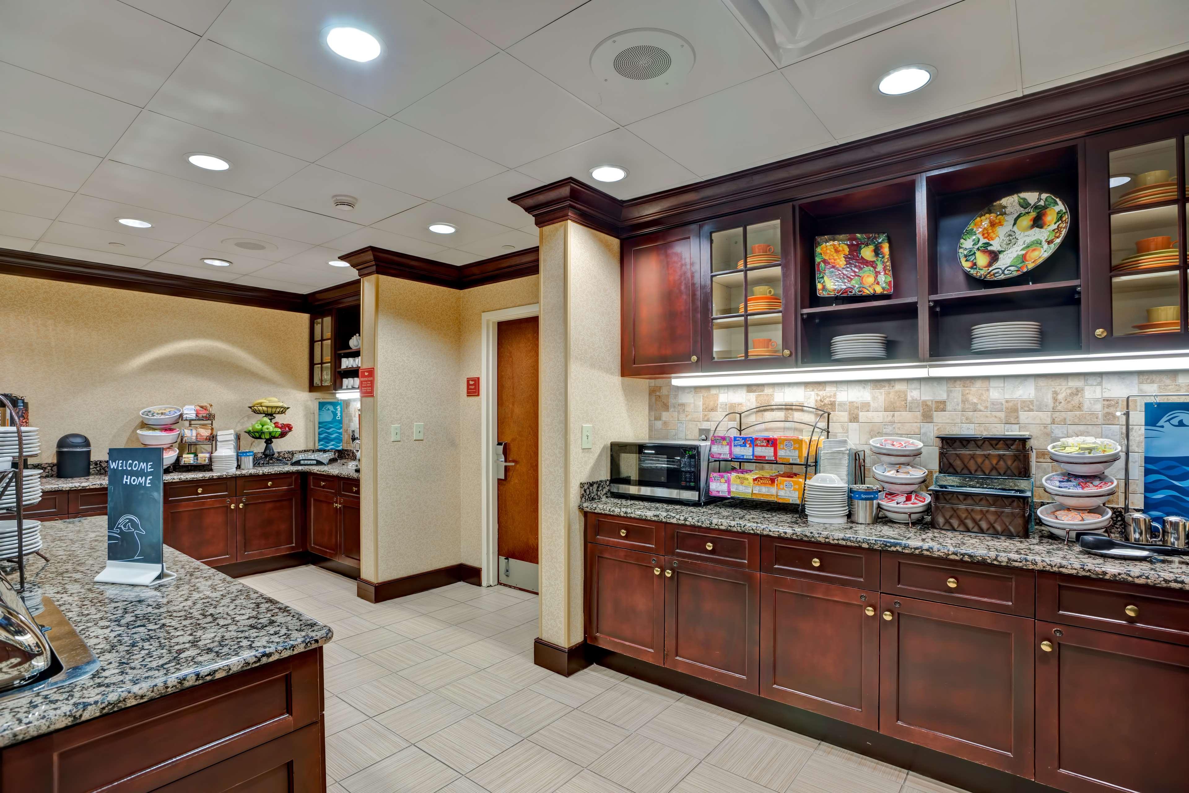 Homewood Suites by Hilton Fredericksburg image 8