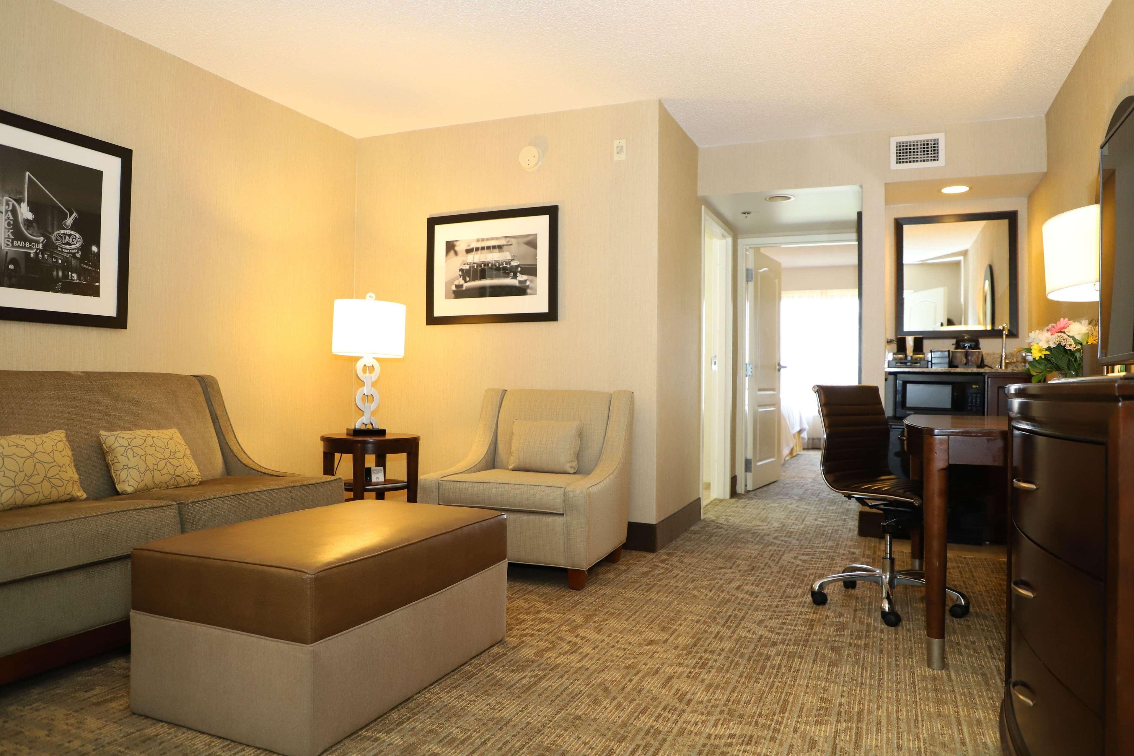 Embassy Suites by Hilton Nashville at Vanderbilt image 38