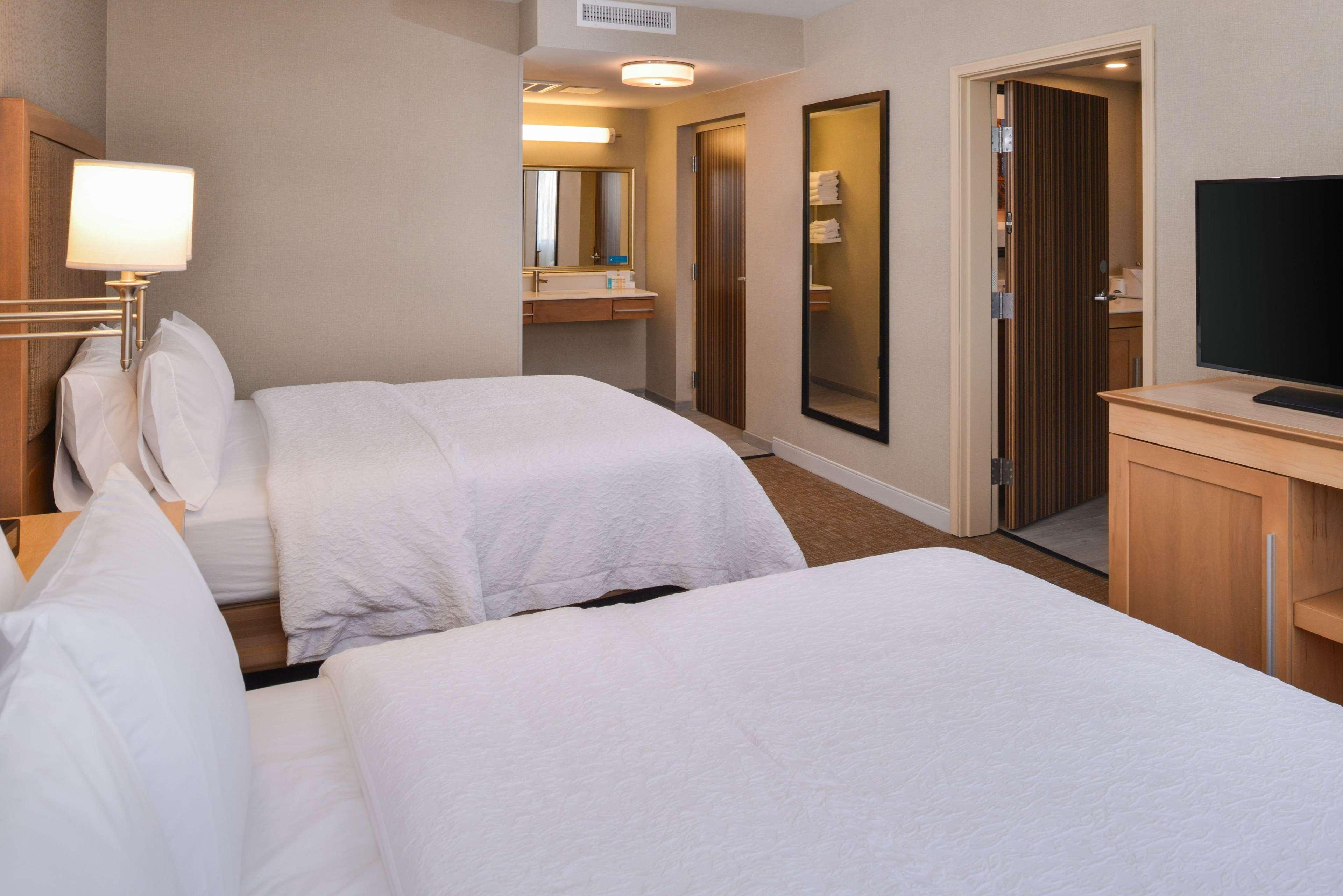 Hampton Inn & Suites Denver-Speer Boulevard image 49