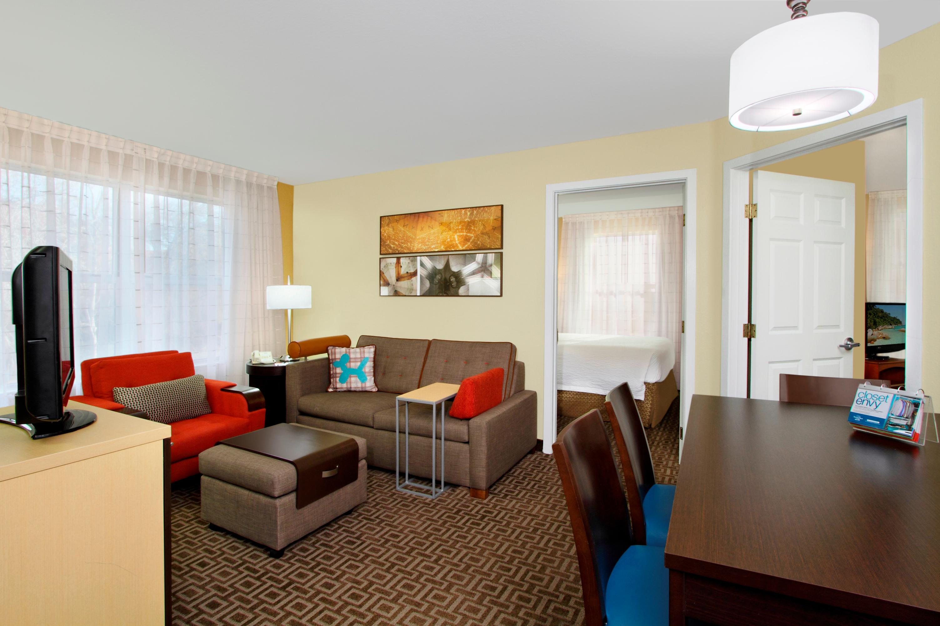TownePlace Suites by Marriott Newark Silicon Valley image 1