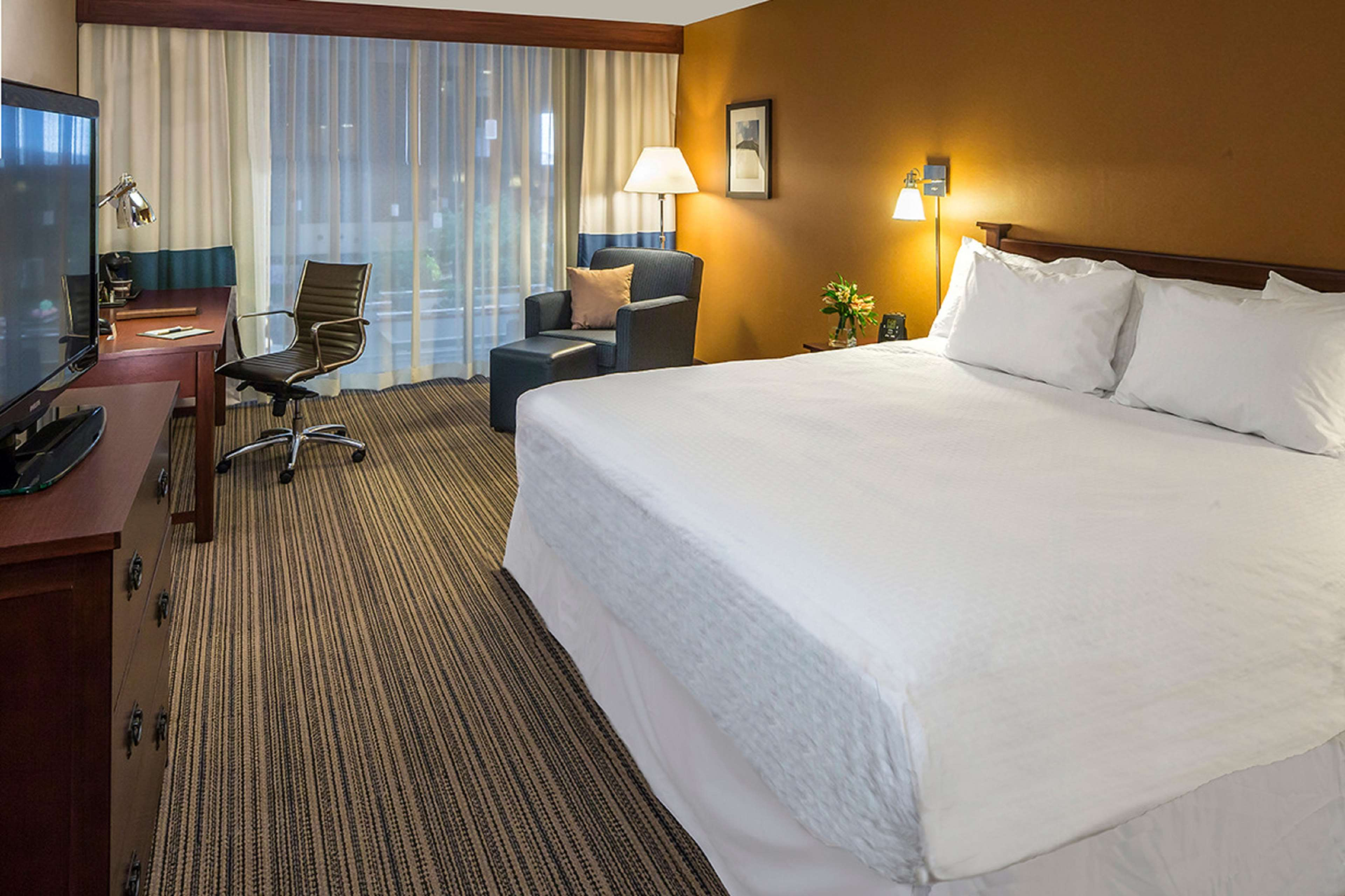 DoubleTree by Hilton Hotel Pittsburgh - Cranberry image 24