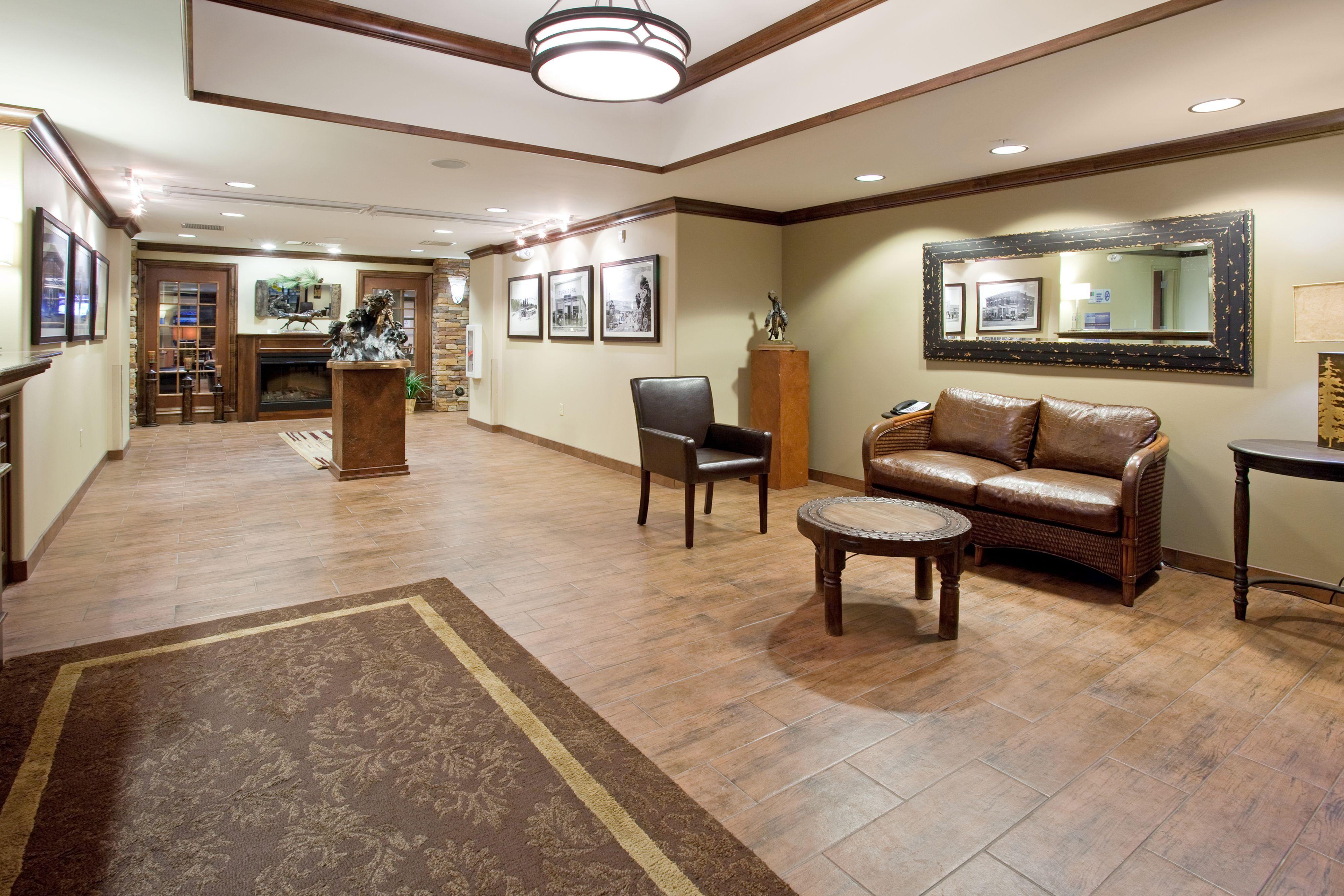 Holiday Inn Express & Suites Lander image 4