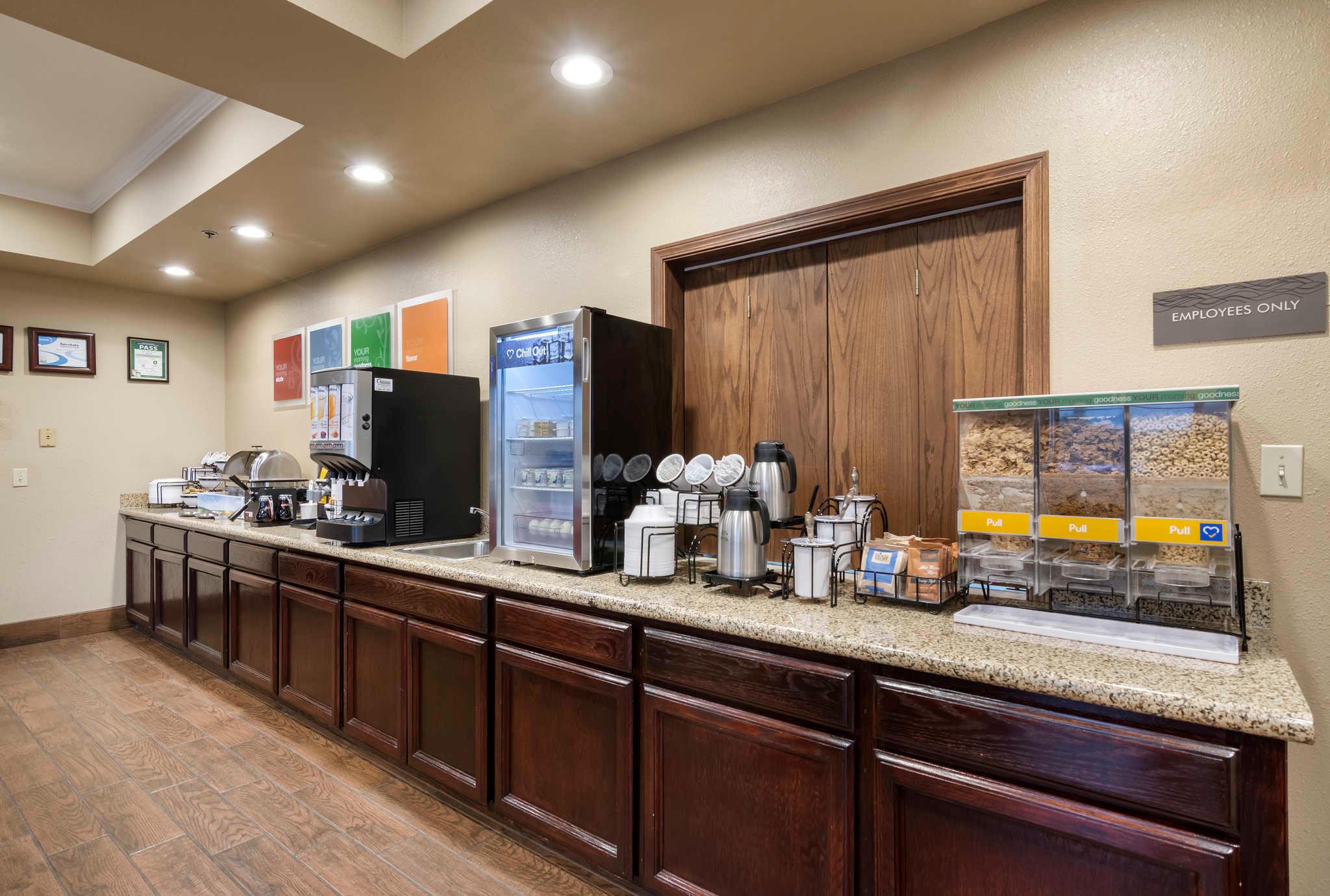 Comfort Inn & Suites Sacramento - University Area image 26
