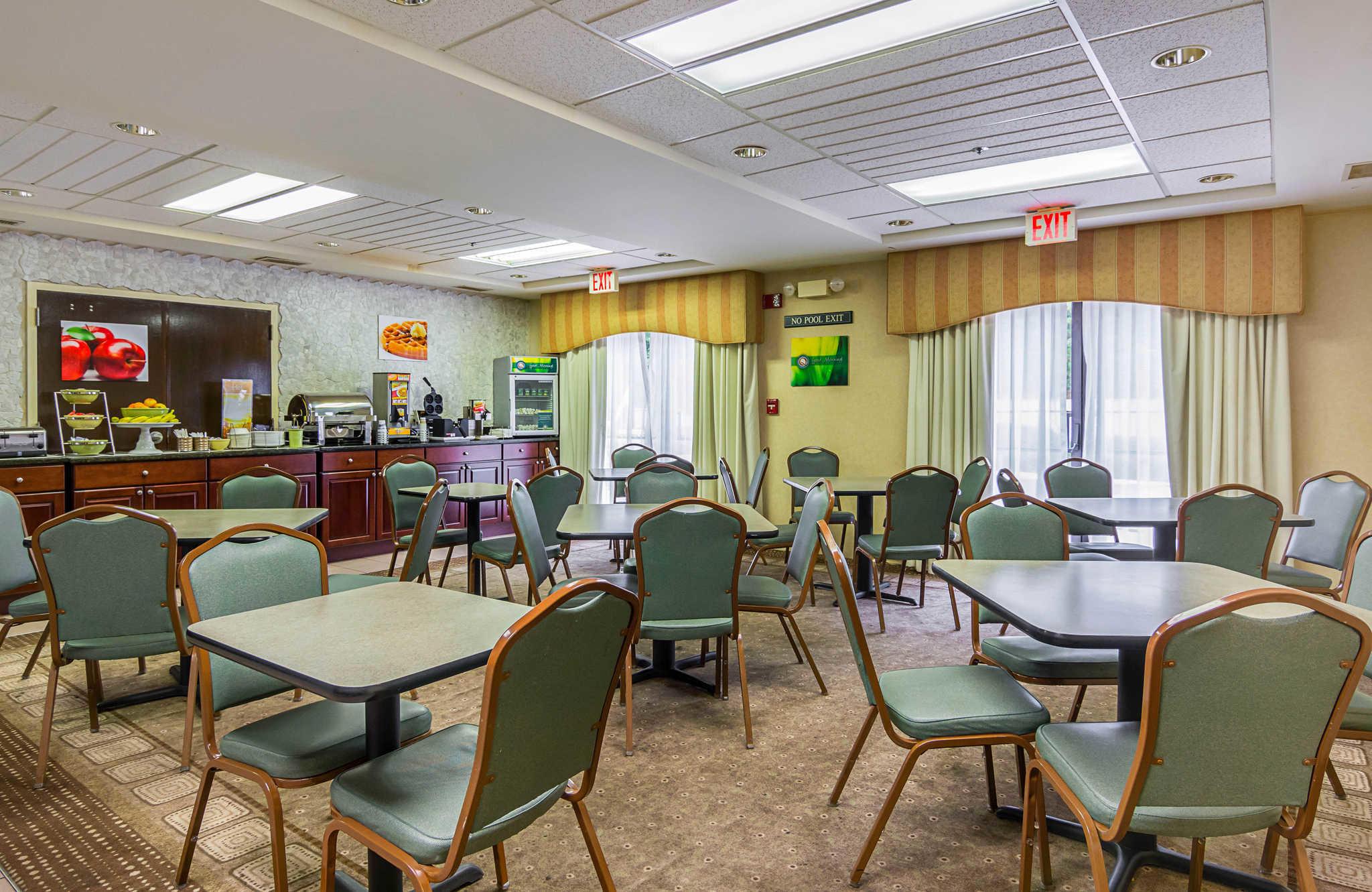 Quality Inn & Suites Kearneysville - Martinsburg image 22