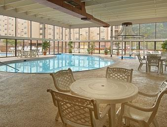 Ramada Paintsville Hotel & Conference Center image 11