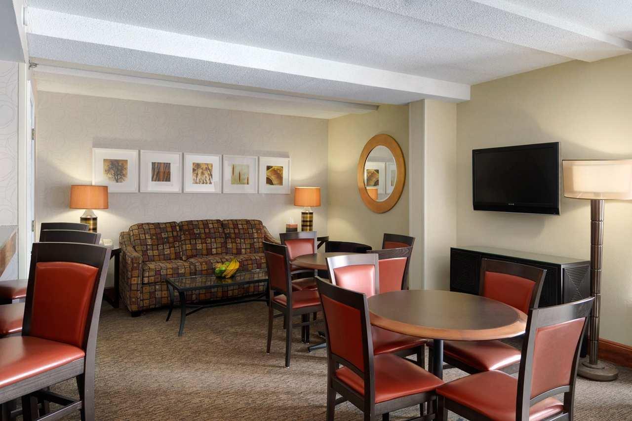 DoubleTree by Hilton Hotel Oak Ridge - Knoxville image 19