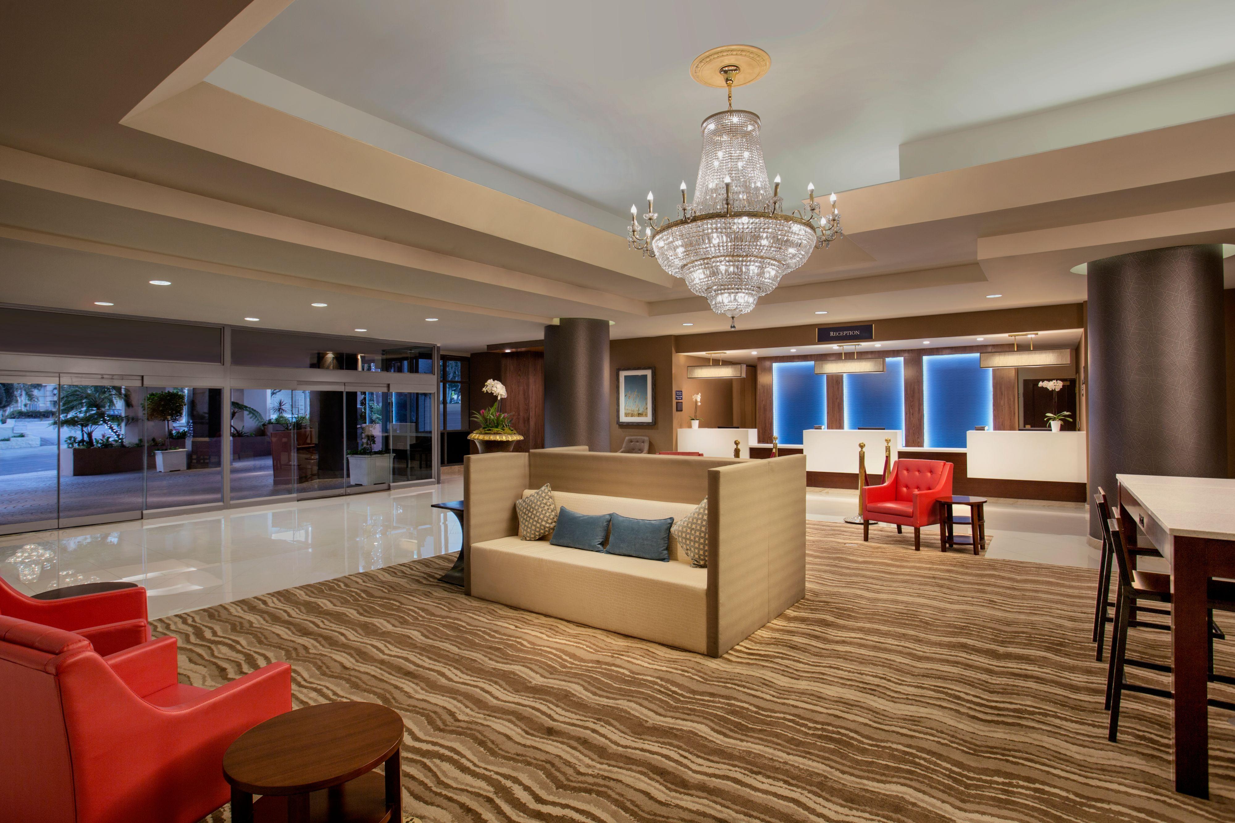 crowne plaza los angeles harbor hotel at 601 s palos. Black Bedroom Furniture Sets. Home Design Ideas