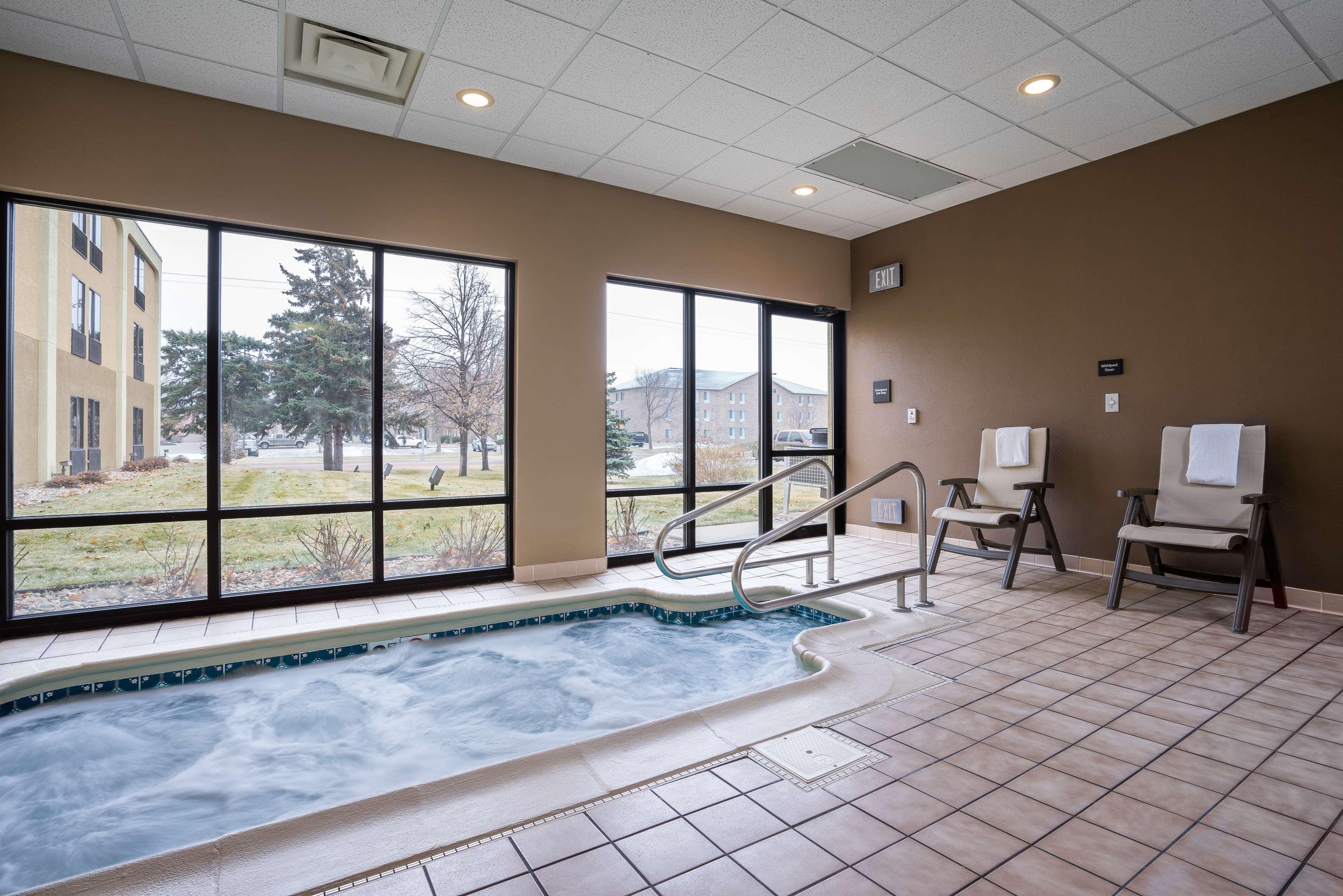 Hampton Inn Sioux Falls image 0
