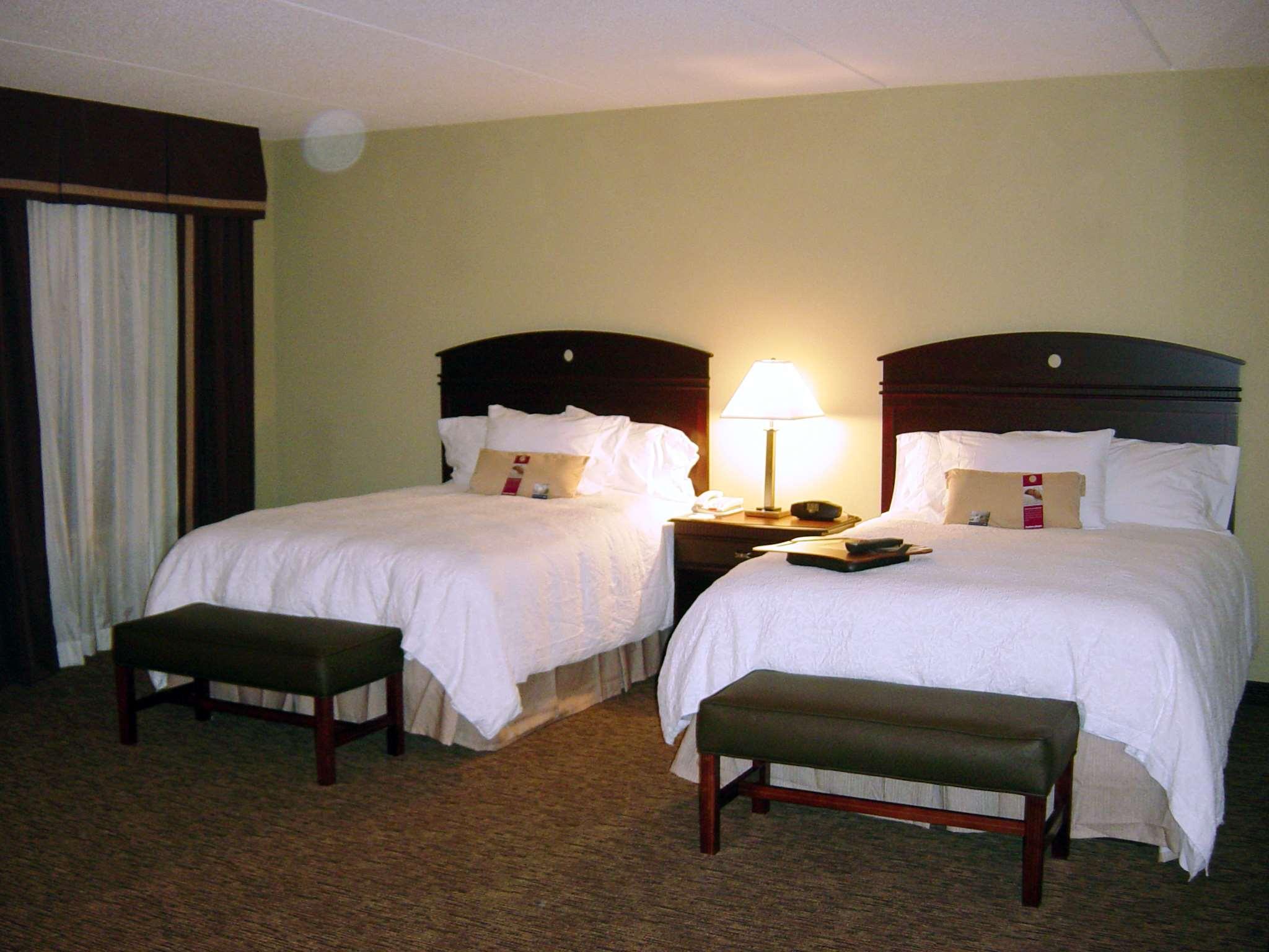 Hampton Inn & Suites Burlington image 18