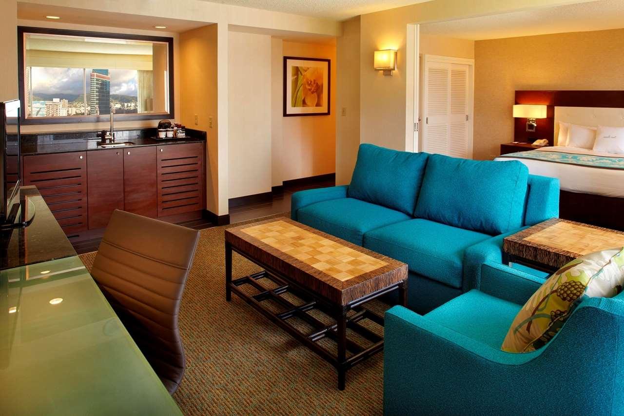 DoubleTree by Hilton Hotel Alana - Waikiki Beach image 12