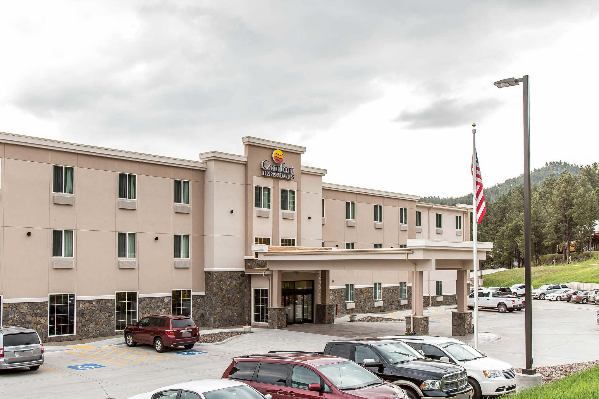 Comfort Inn & Suites Near Mt. Rushmore image 2