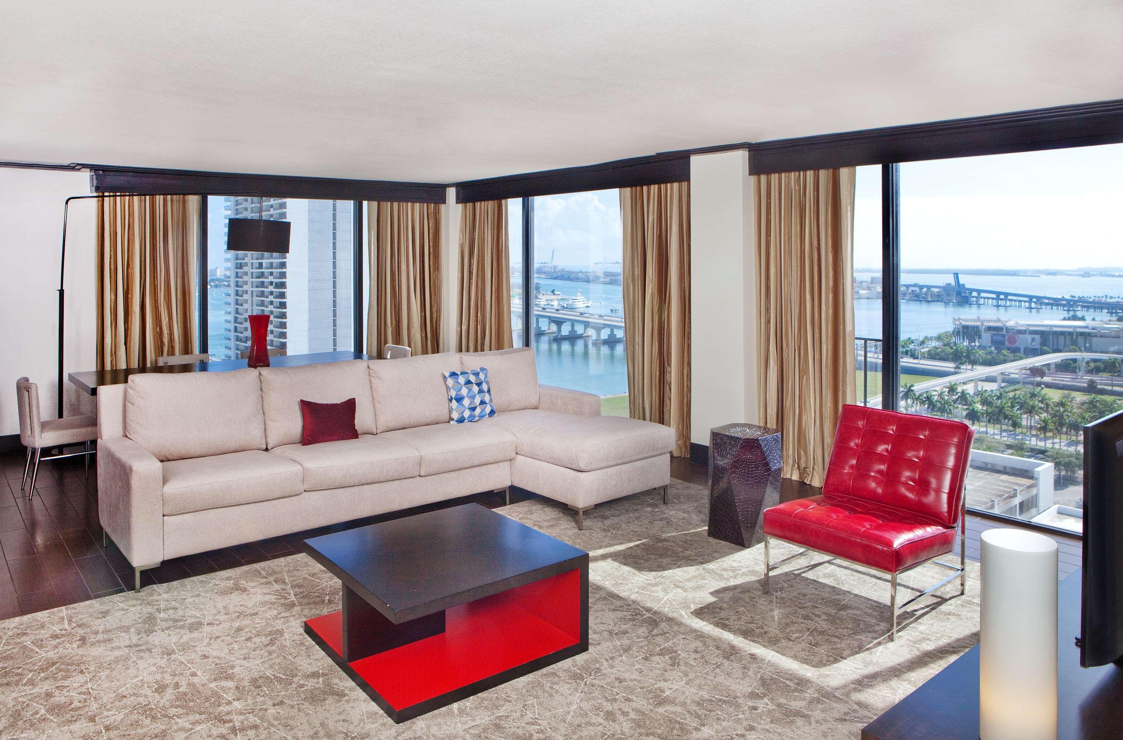 Hilton Miami Downtown image 36