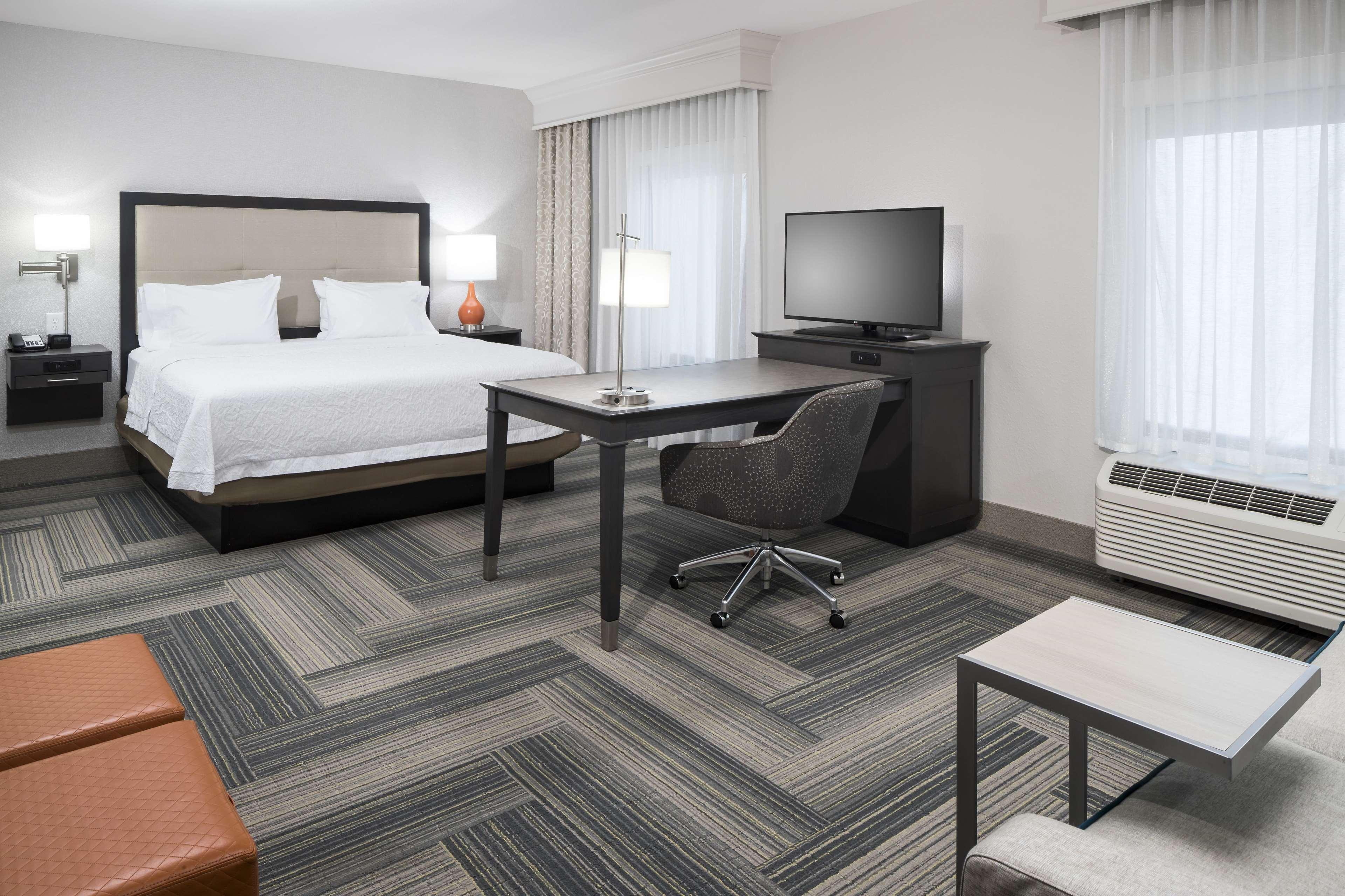 Hampton Inn & Suites by Hilton Atlanta Perimeter Dunwoody image 28