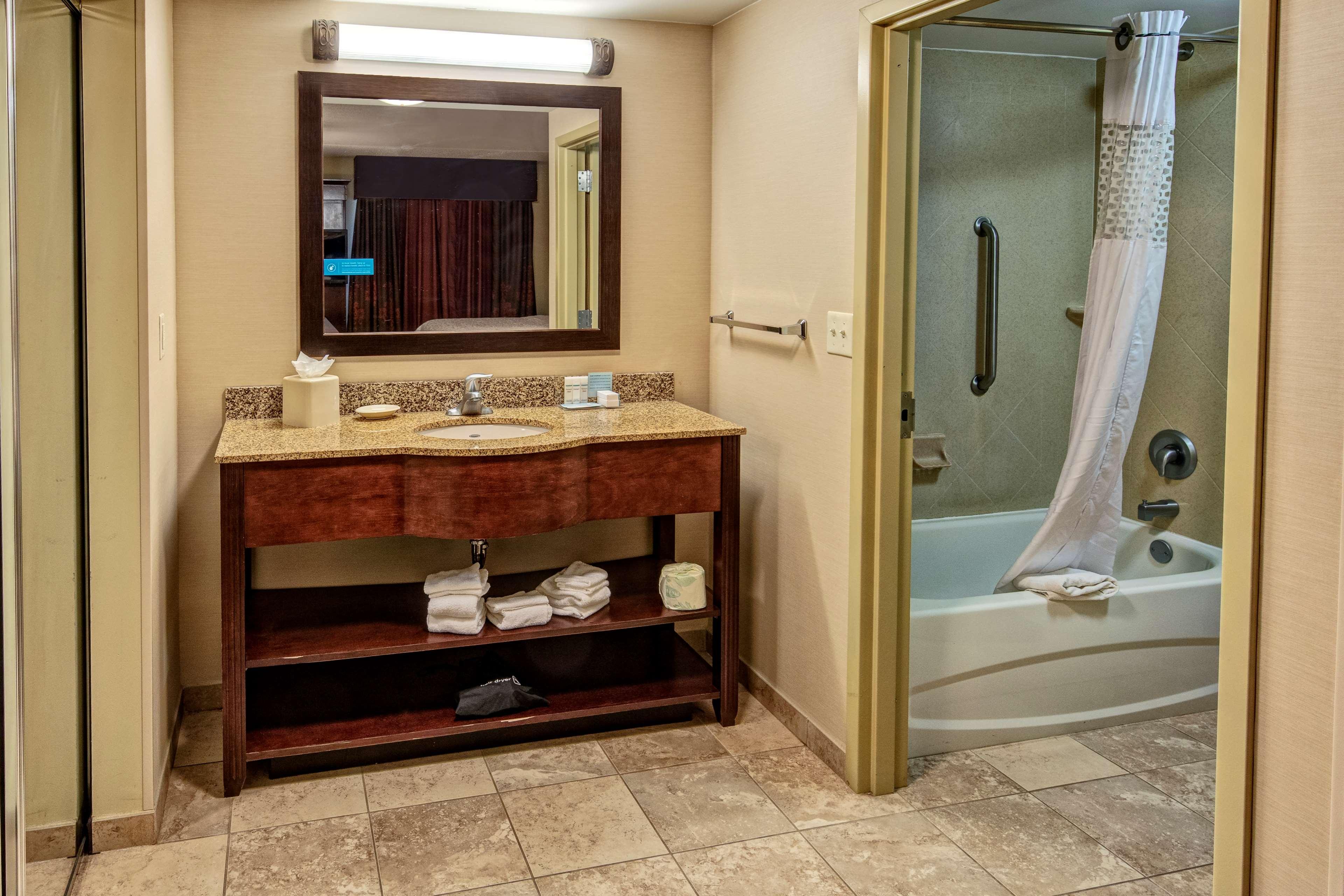 Hampton Inn Suites Minneapolis St Paul Arpt-Mall of America image 12