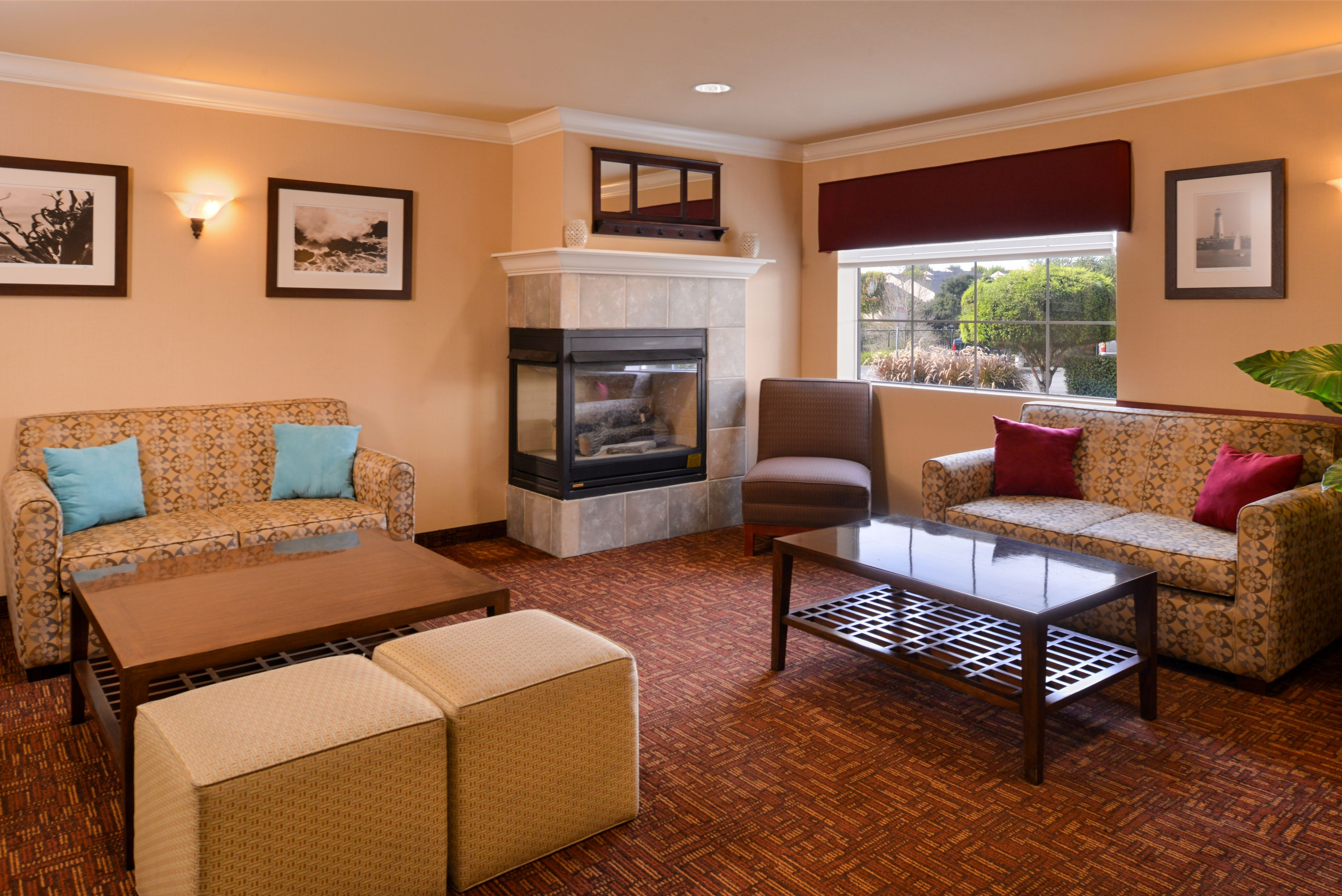 Holiday Inn Express & Suites Watsonville image 8