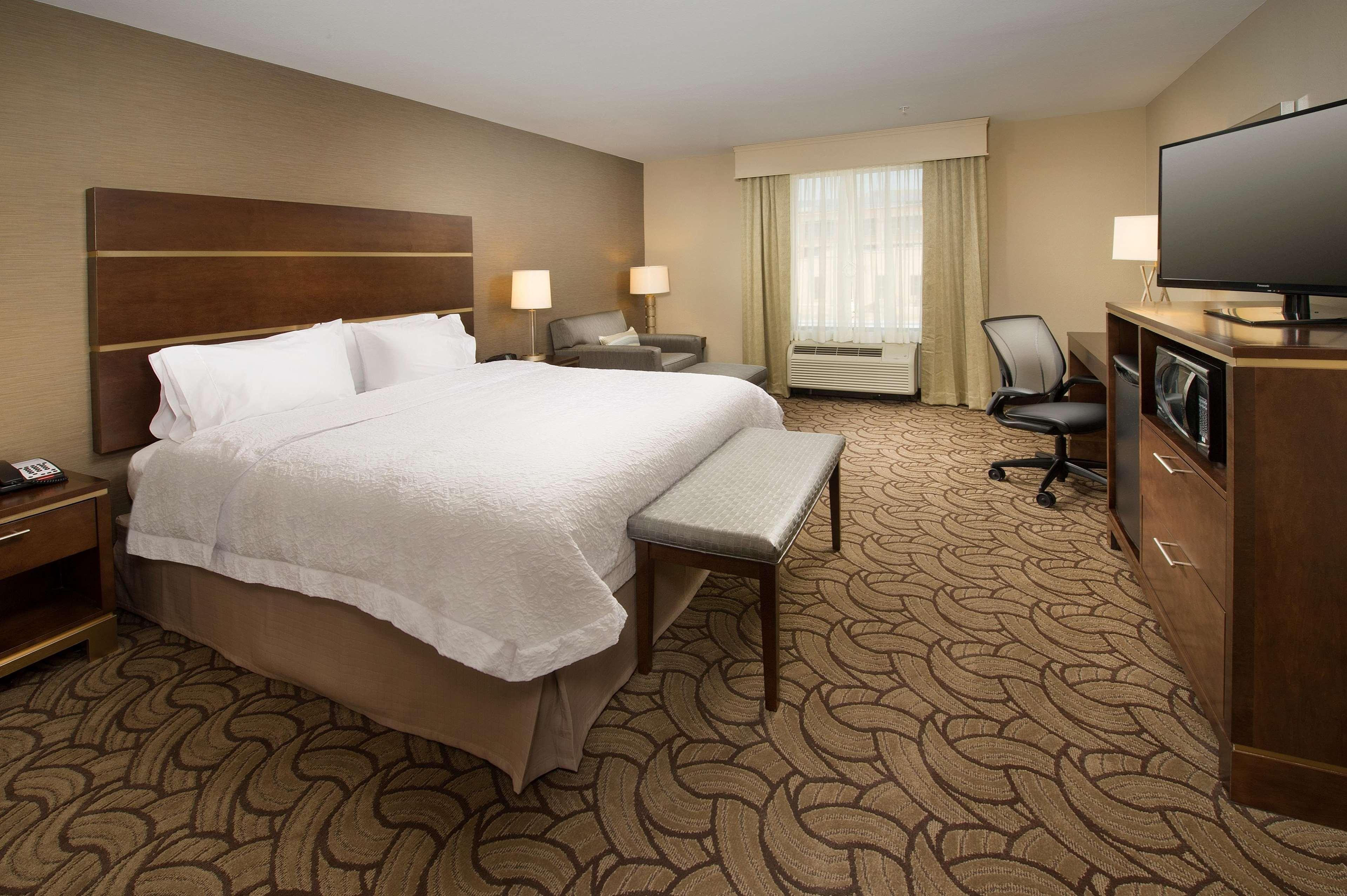 Hampton Inn & Suites San Antonio-Downtown/Market Square image 10