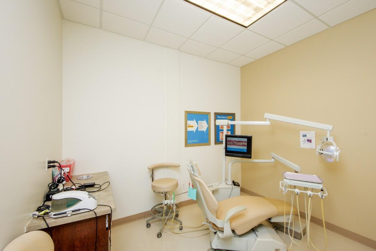 University Hills Modern Dentistry image 5