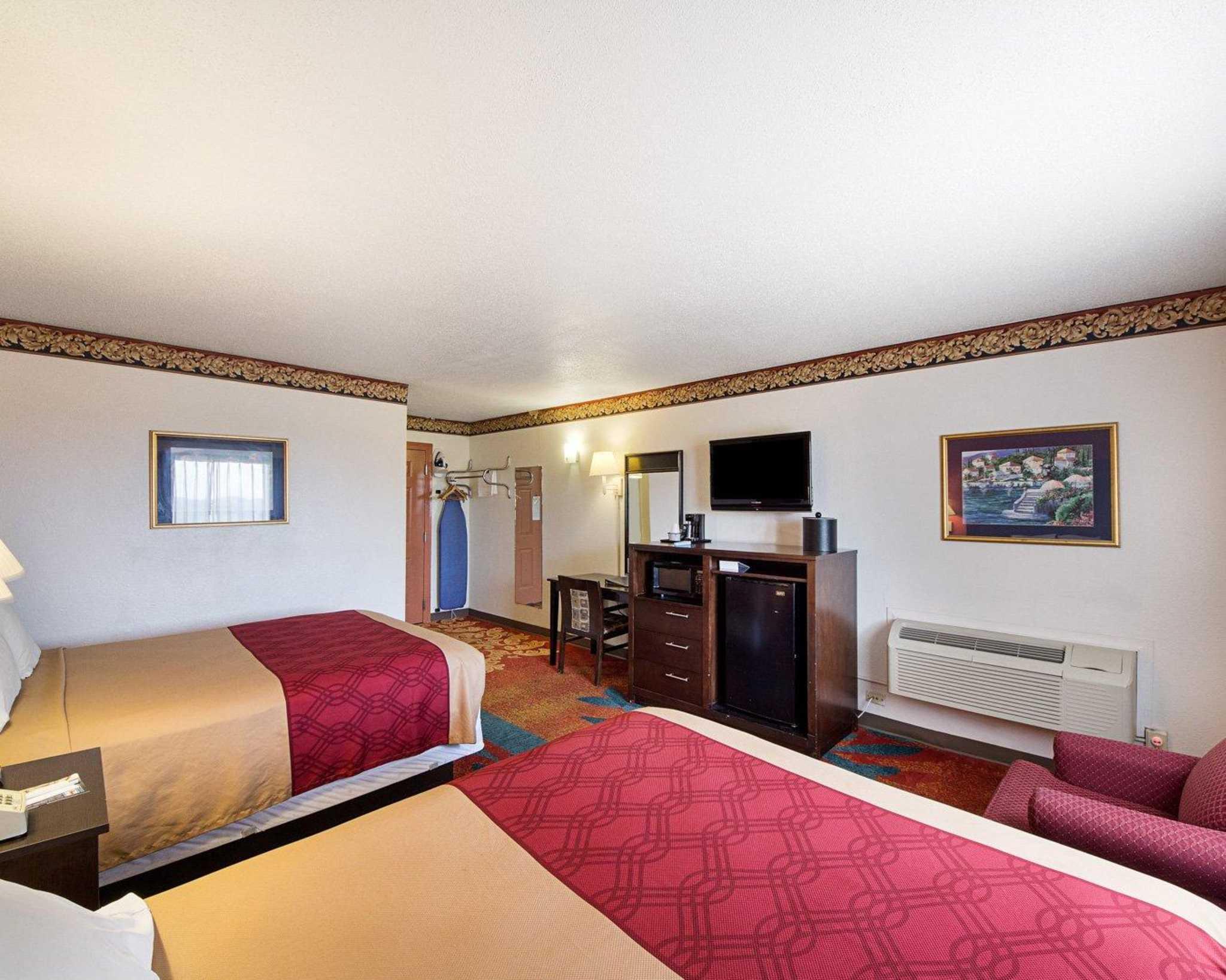 Rodeway Inn At Lackland AFB image 9