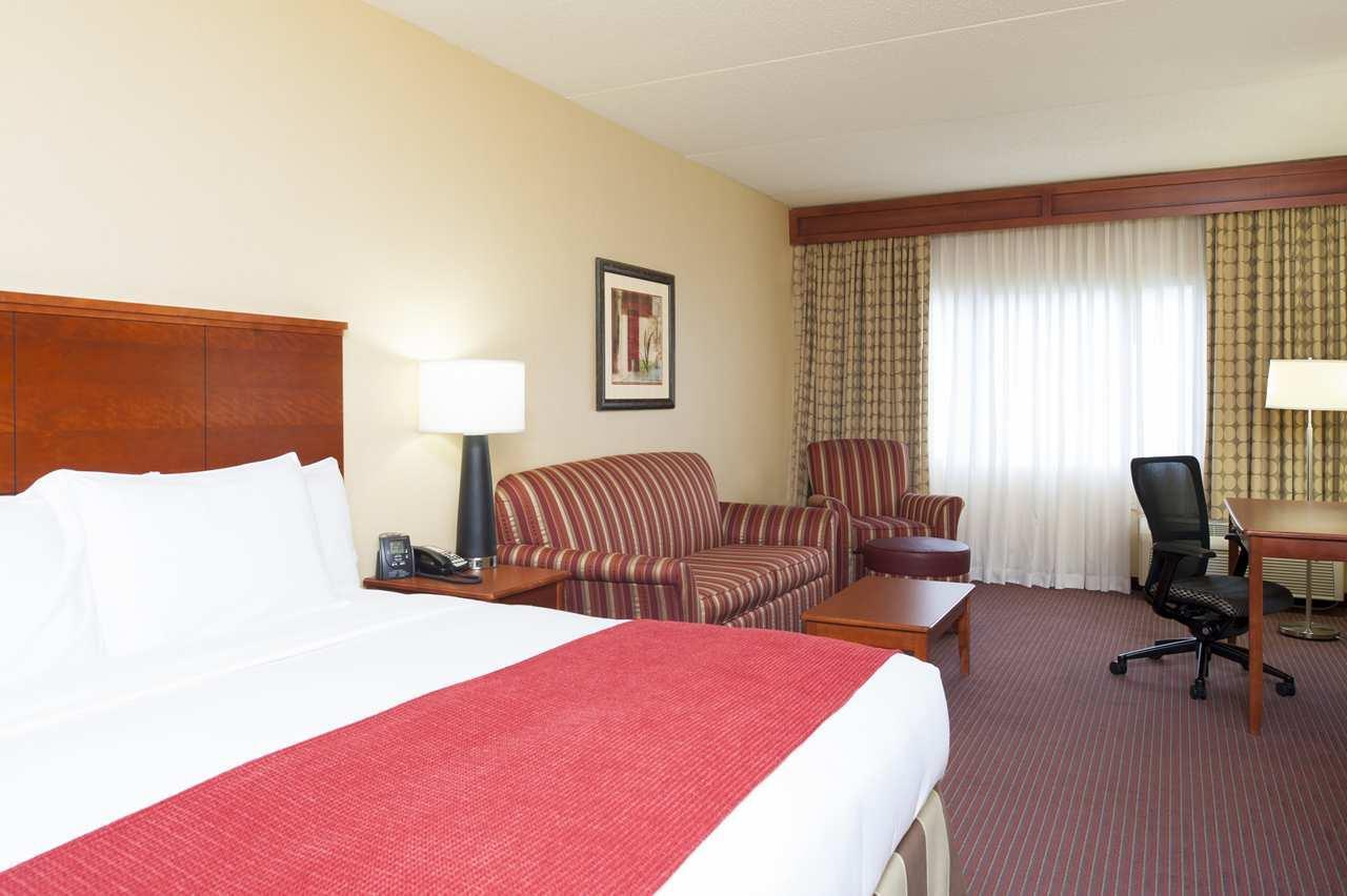 DoubleTree by Hilton Hotel Holland image 19