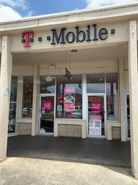 Exterior photo of T-Mobile Store at Ala Lilikoi & Salt Lake, Honolulu, HI