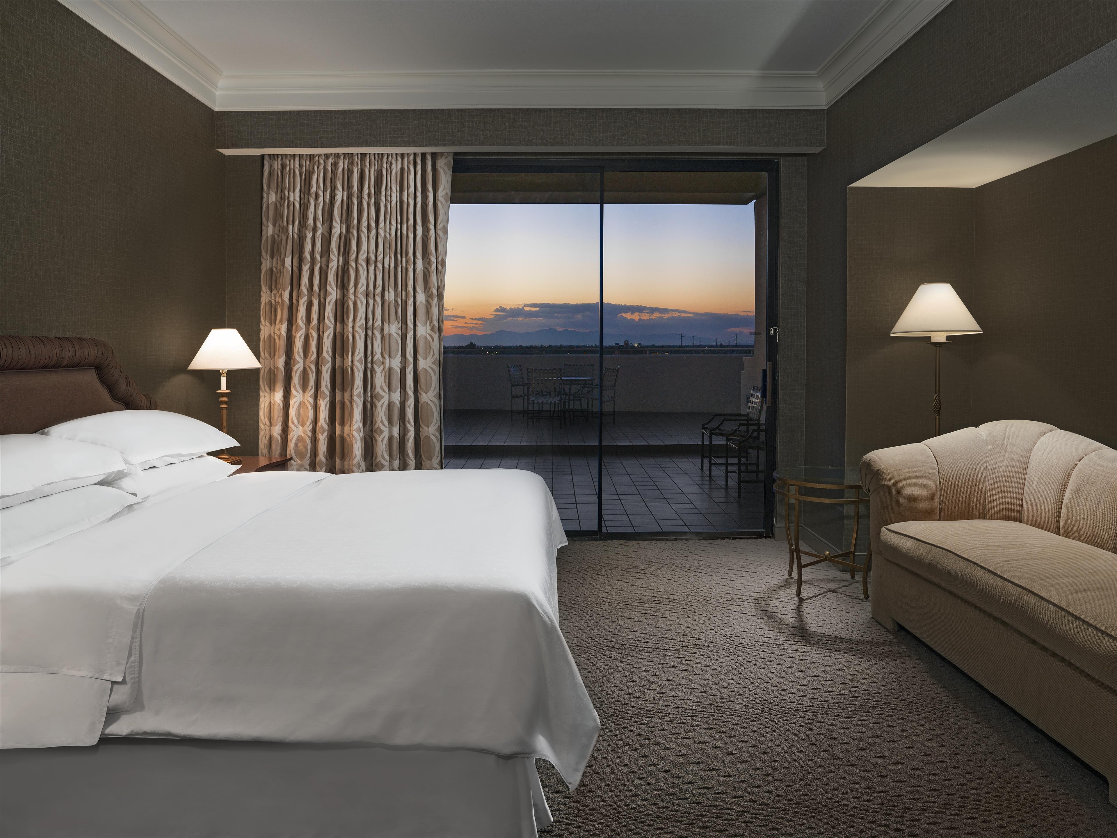 Sheraton Crescent Hotel image 8