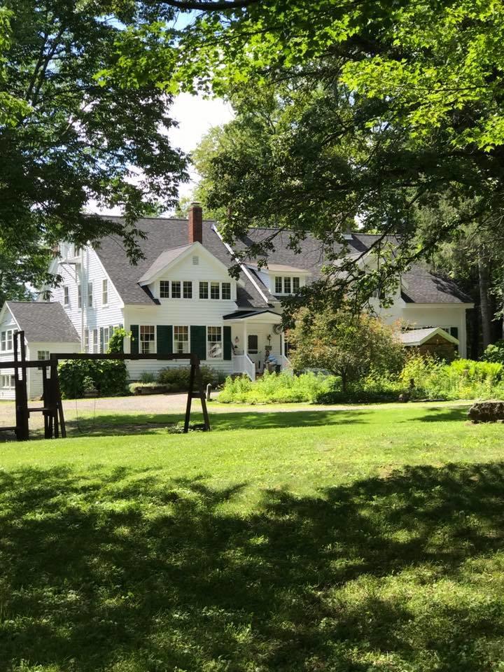 The Golden Maple Tree Inn image 2