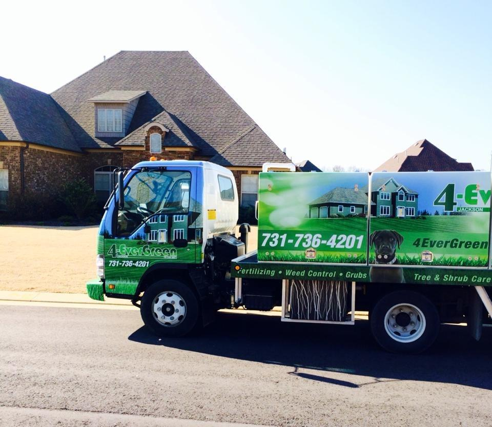4-Evergreen Lawn Service image 3