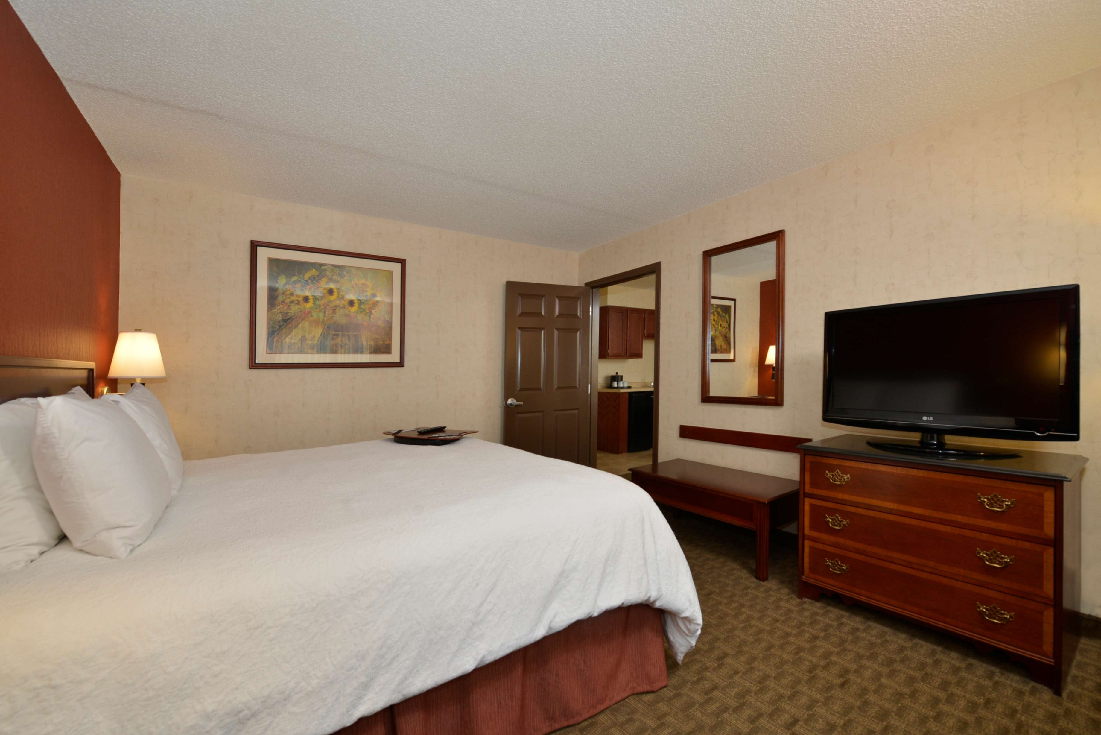 Hampton Inn East Aurora image 41