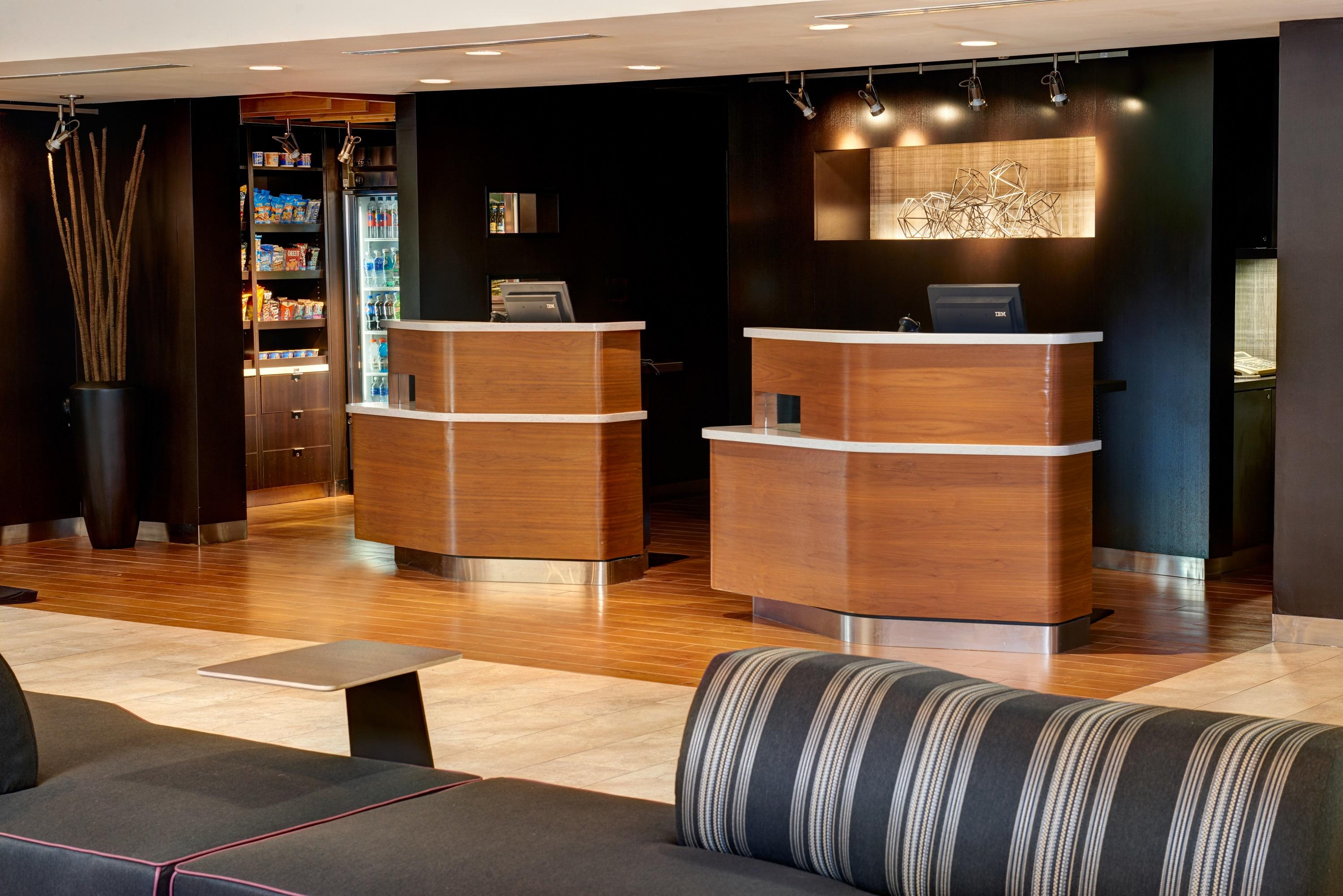 Courtyard by Marriott Chicago Oakbrook Terrace image 1