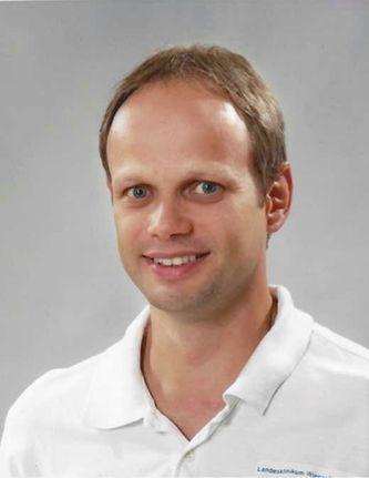 Dr. Christian W. Diviak