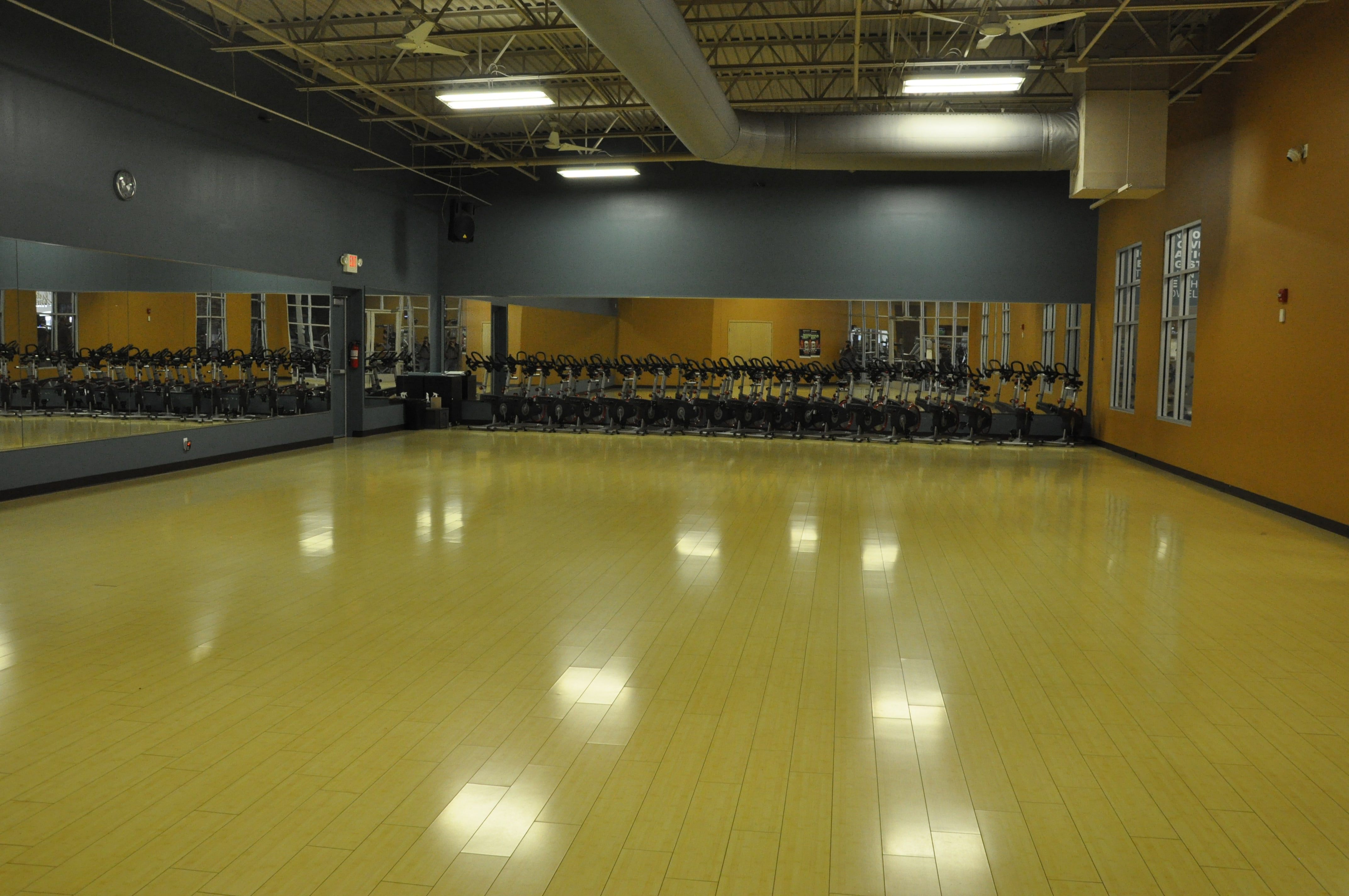 Club Fitness image 4