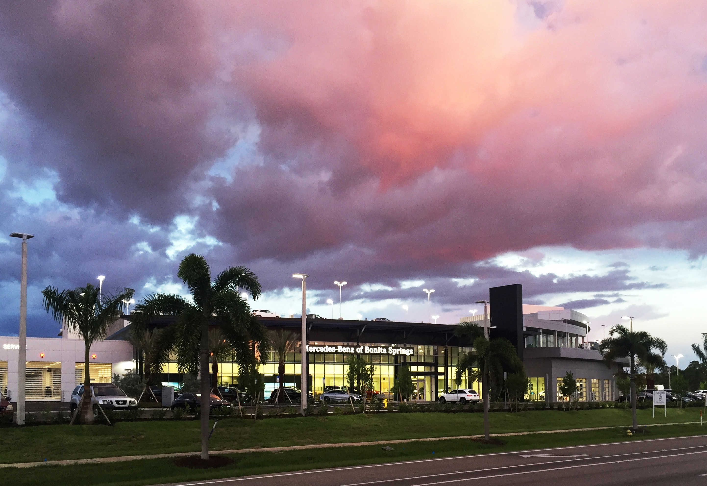Mercedes benz of bonita springs at 14610 tamiami trail for Mercedes benz bonita springs fl