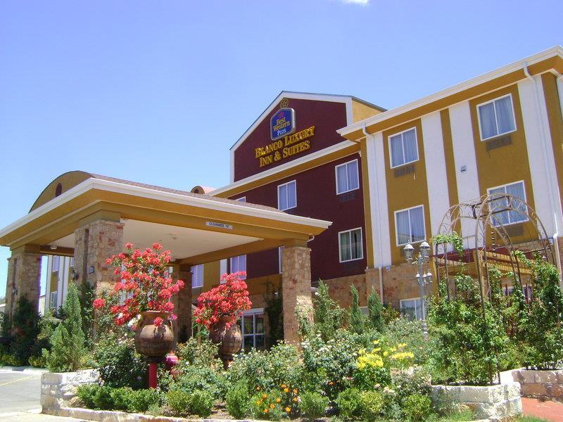 Best Western Plus Blanco Luxury Inn & Suites image 46