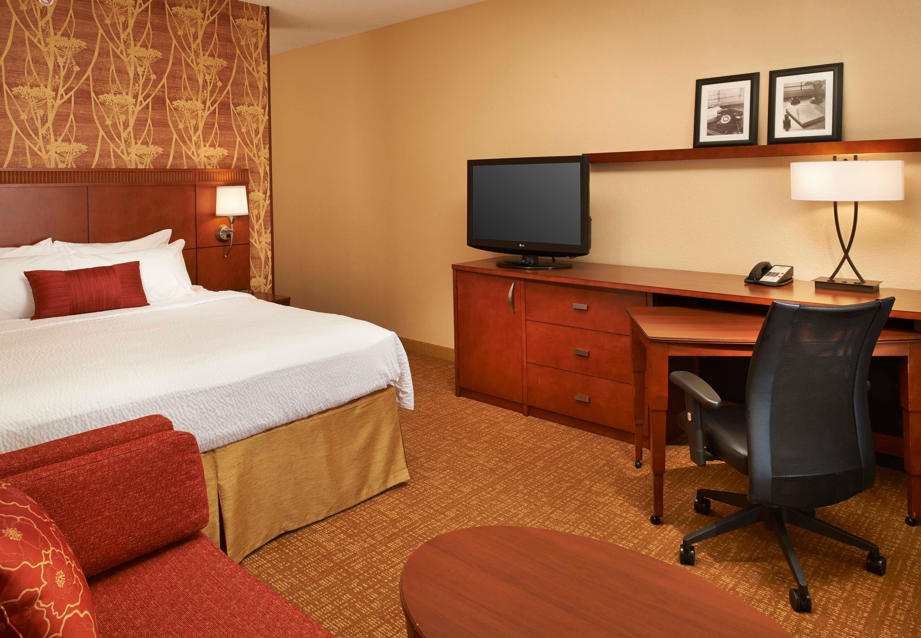 Courtyard by Marriott Toledo Airport Holland image 8