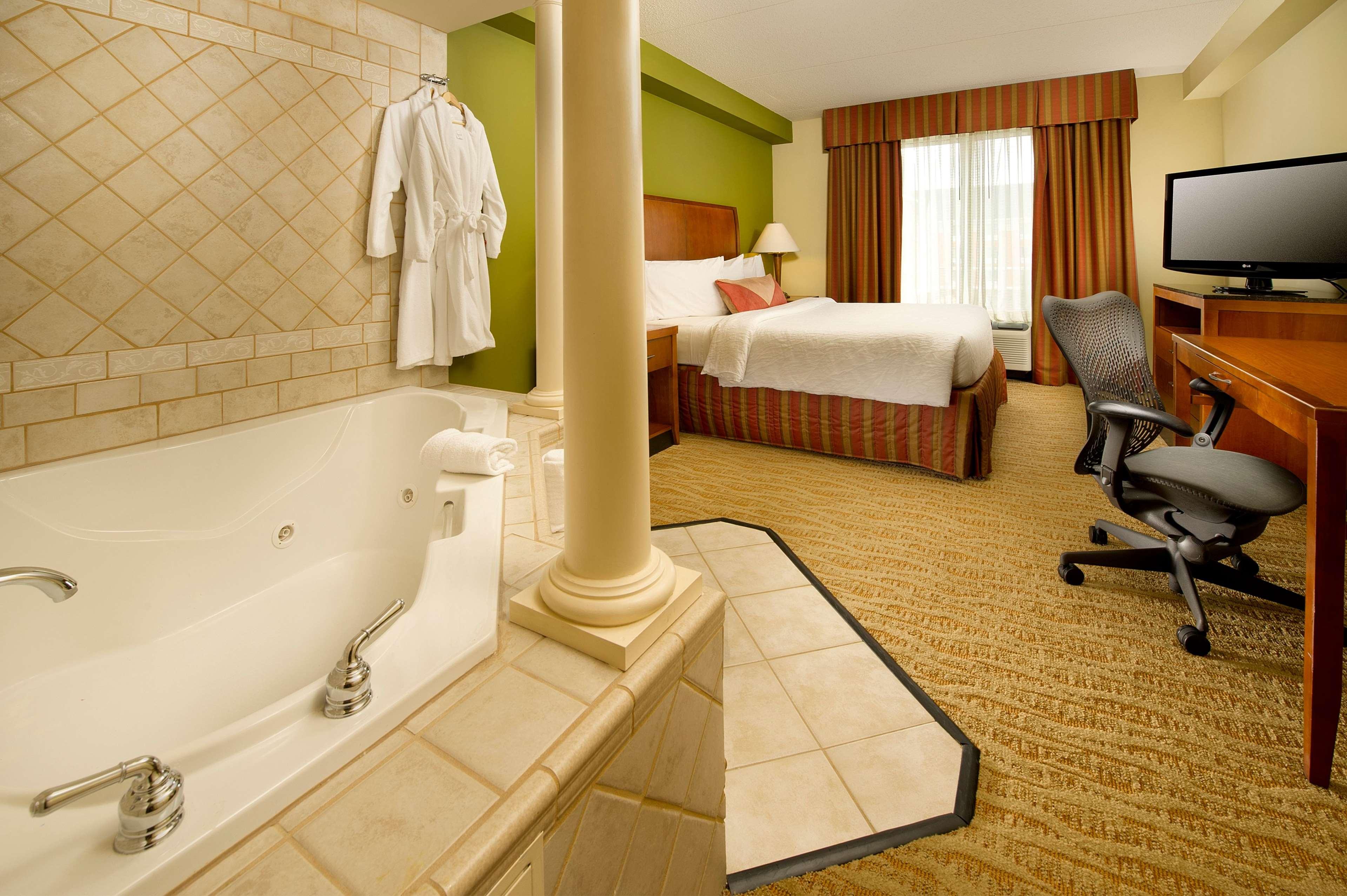 Hilton Garden Inn Atlanta NW/Kennesaw Town Center image 8