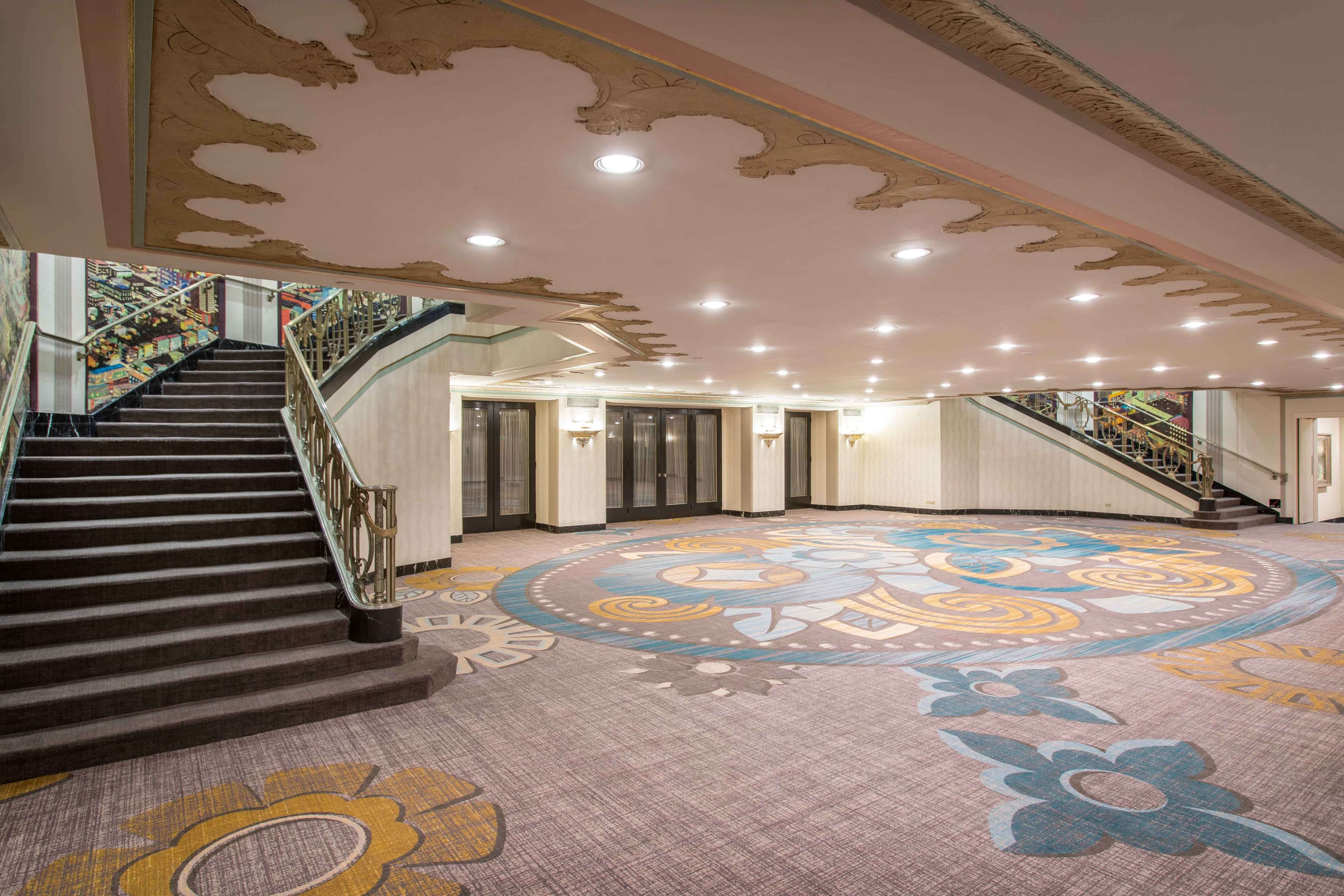 Hilton Cincinnati Netherland Plaza image 42