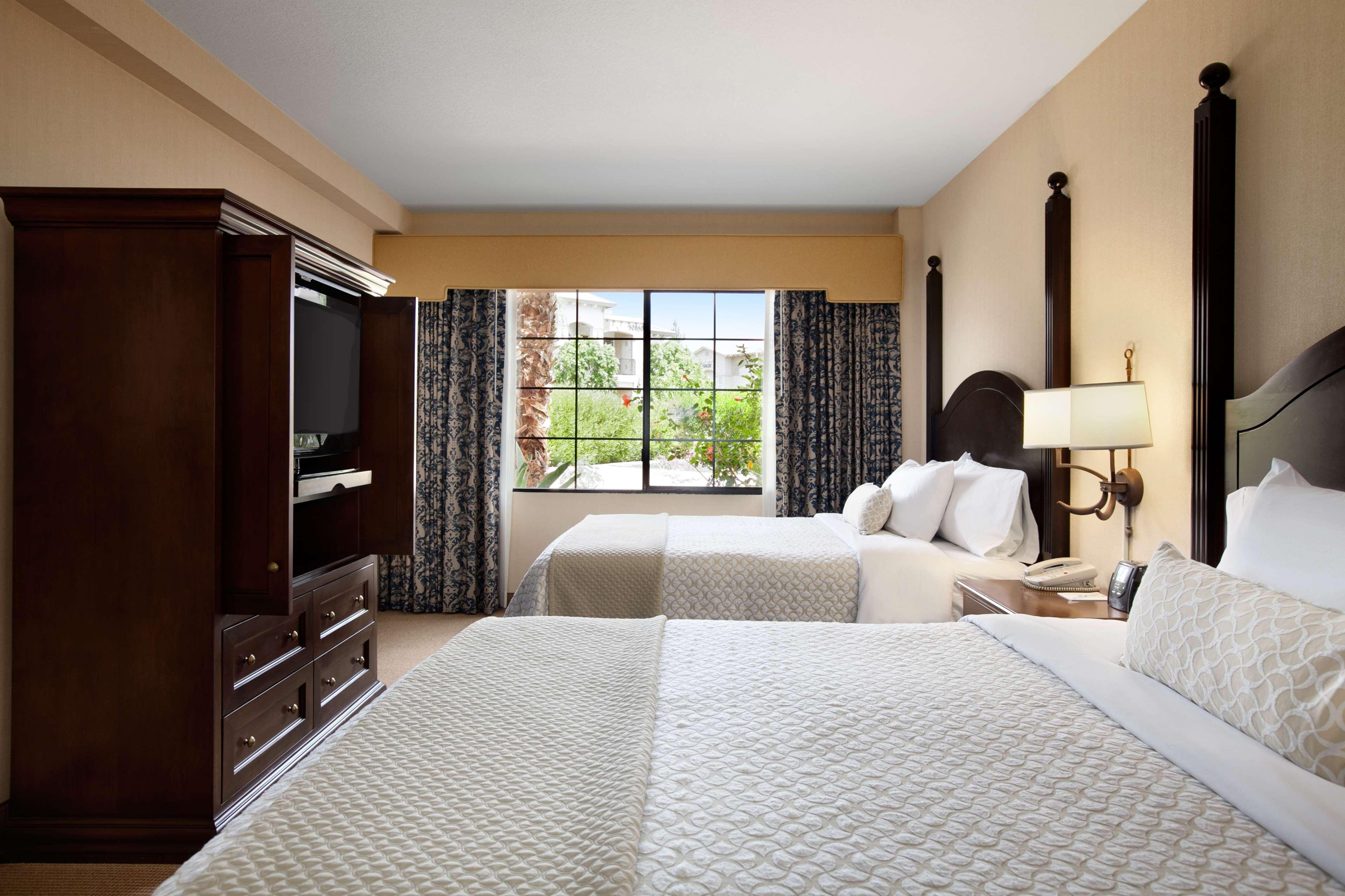Embassy Suites by Hilton La Quinta Hotel & Spa image 29