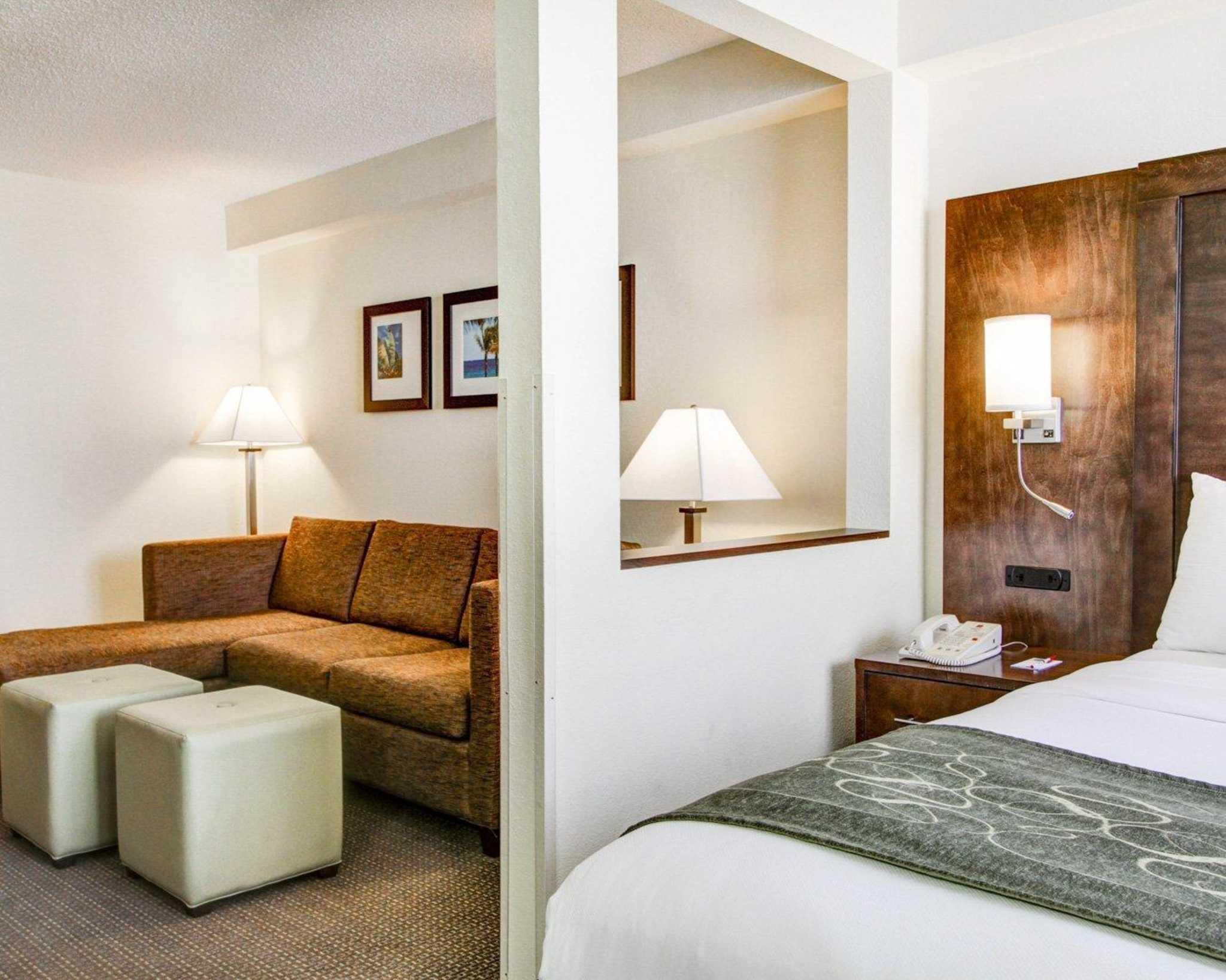 Comfort Suites Weston - Sawgrass Mills South image 27
