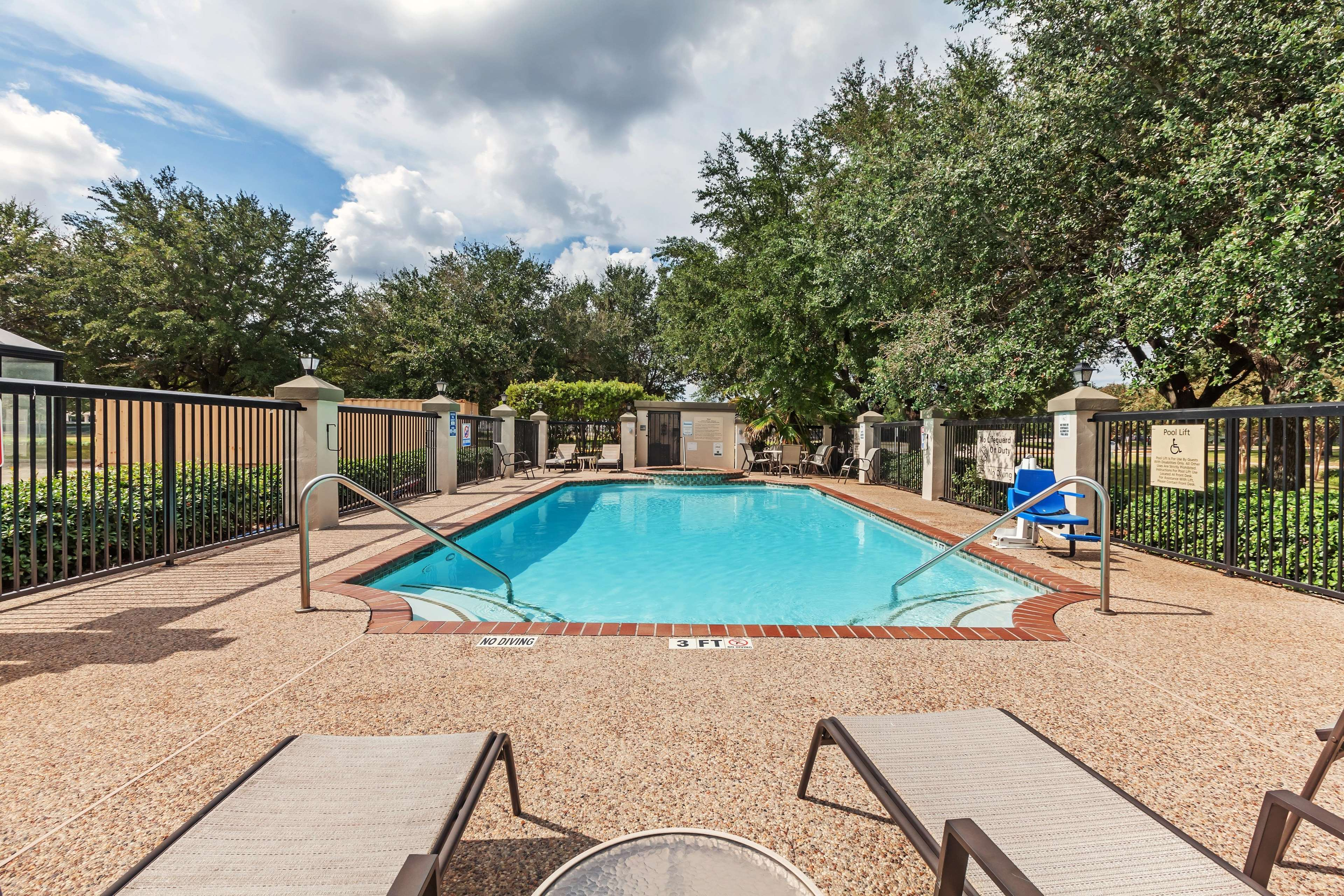 Hampton Inn & Suites Houston-Westchase image 6