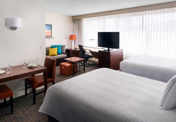 Residence Inn by Marriott Las Vegas Hughes Center image 5