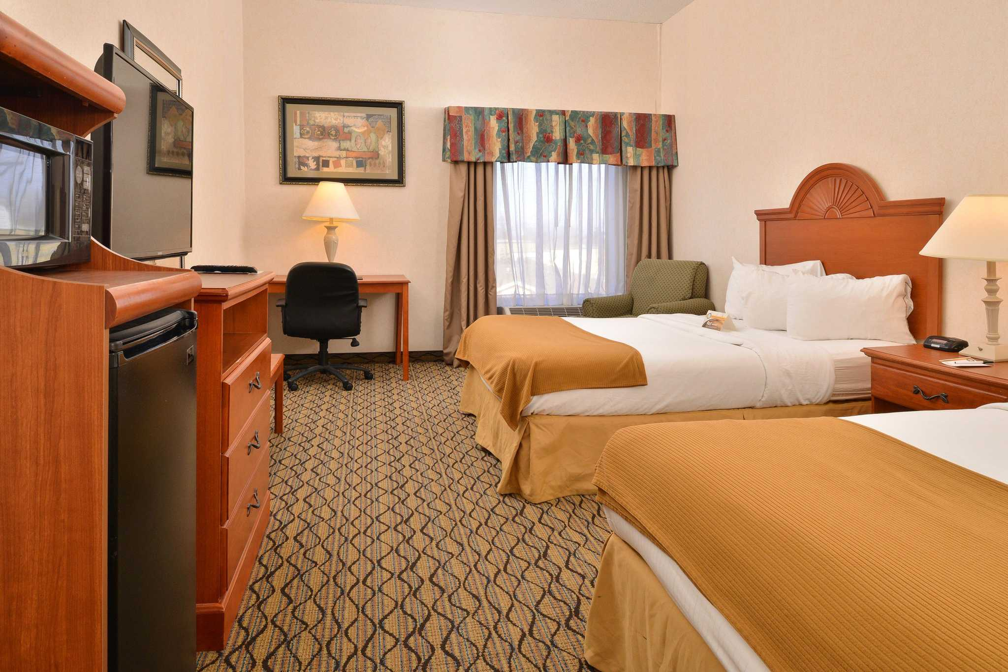 Quality Inn & Suites Jefferson City image 7