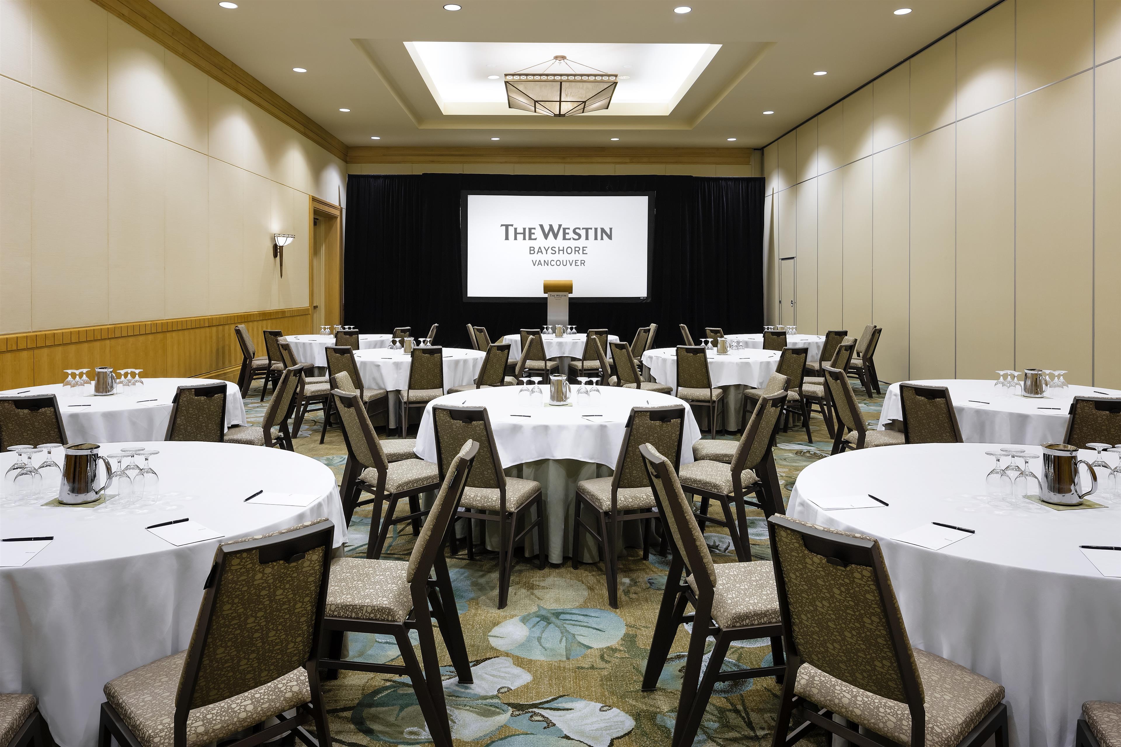 The Westin Bayshore, Vancouver in Vancouver: Salon 1 Half Rounds