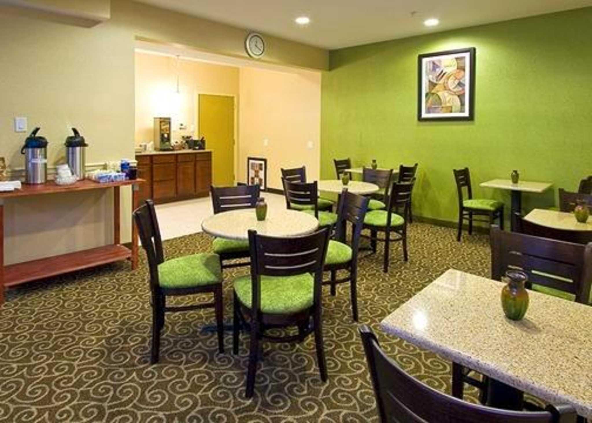 Clarion Inn & Suites Atlantic City North image 12