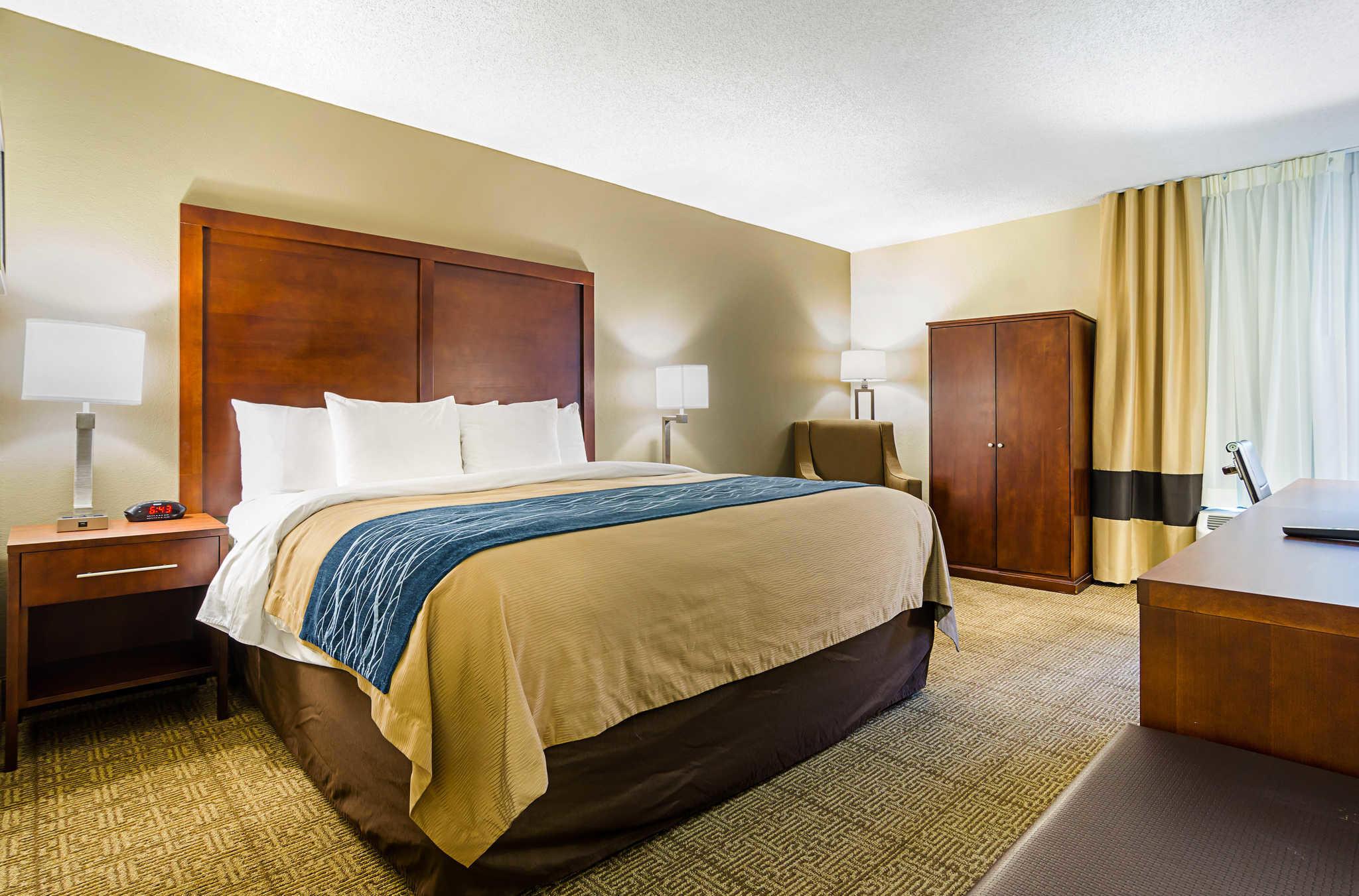 Comfort Inn & Suites Duke University-Downtown image 14