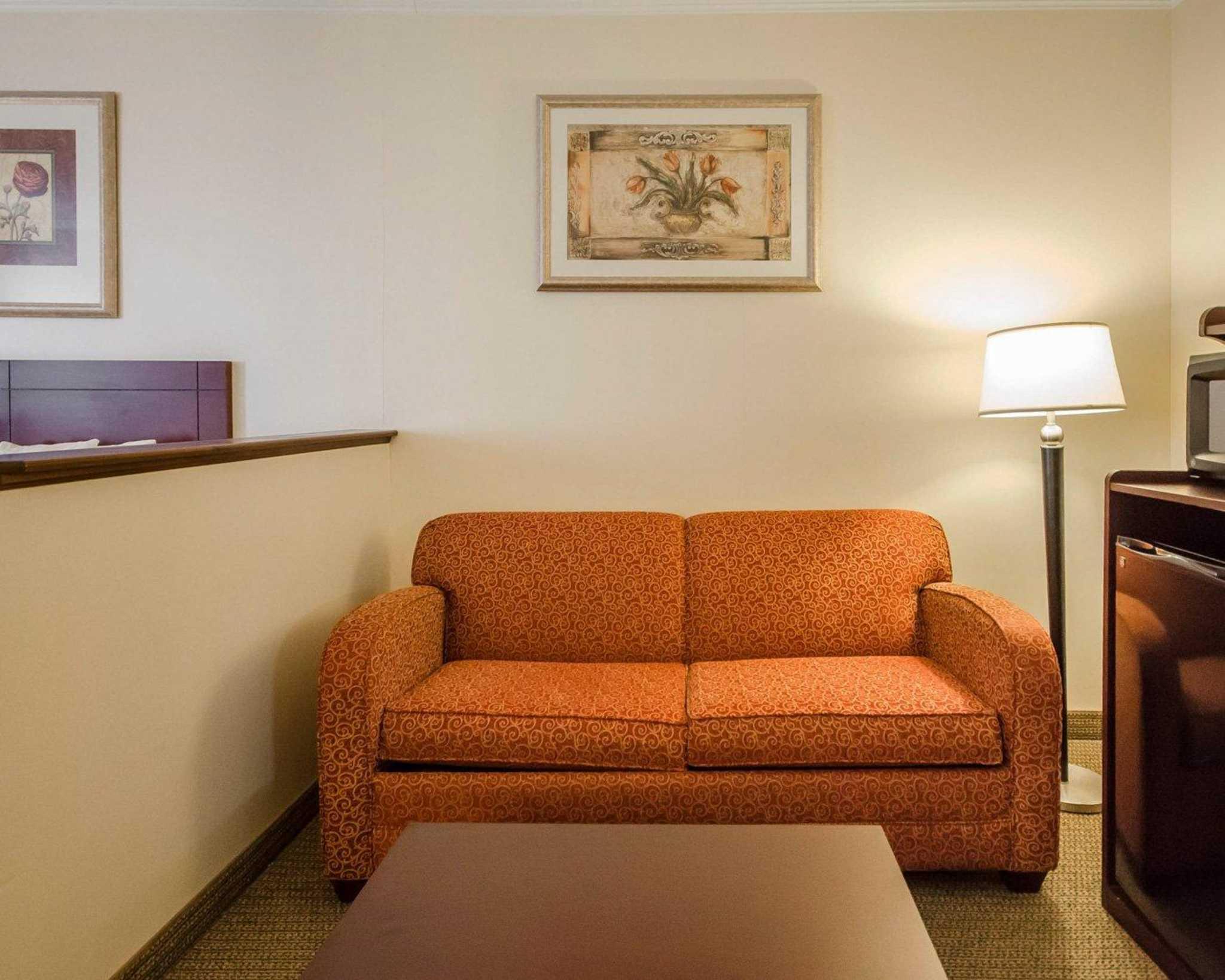 Quality Suites image 8