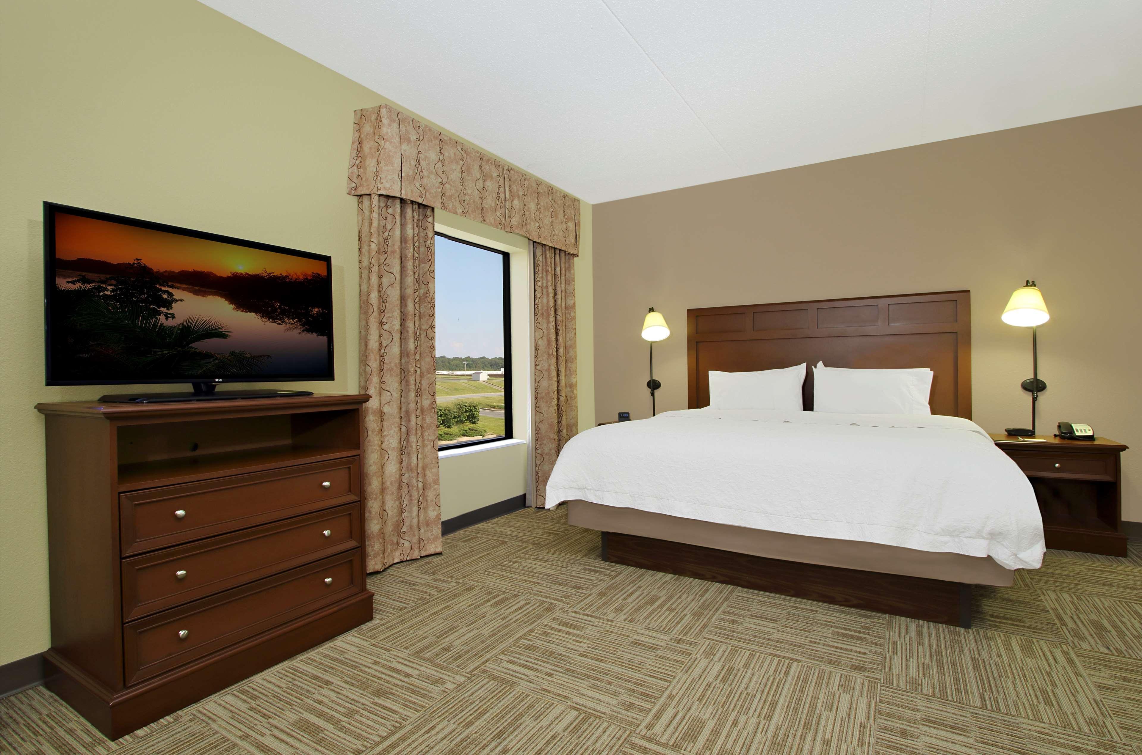 Hampton Inn & Suites Murray image 18