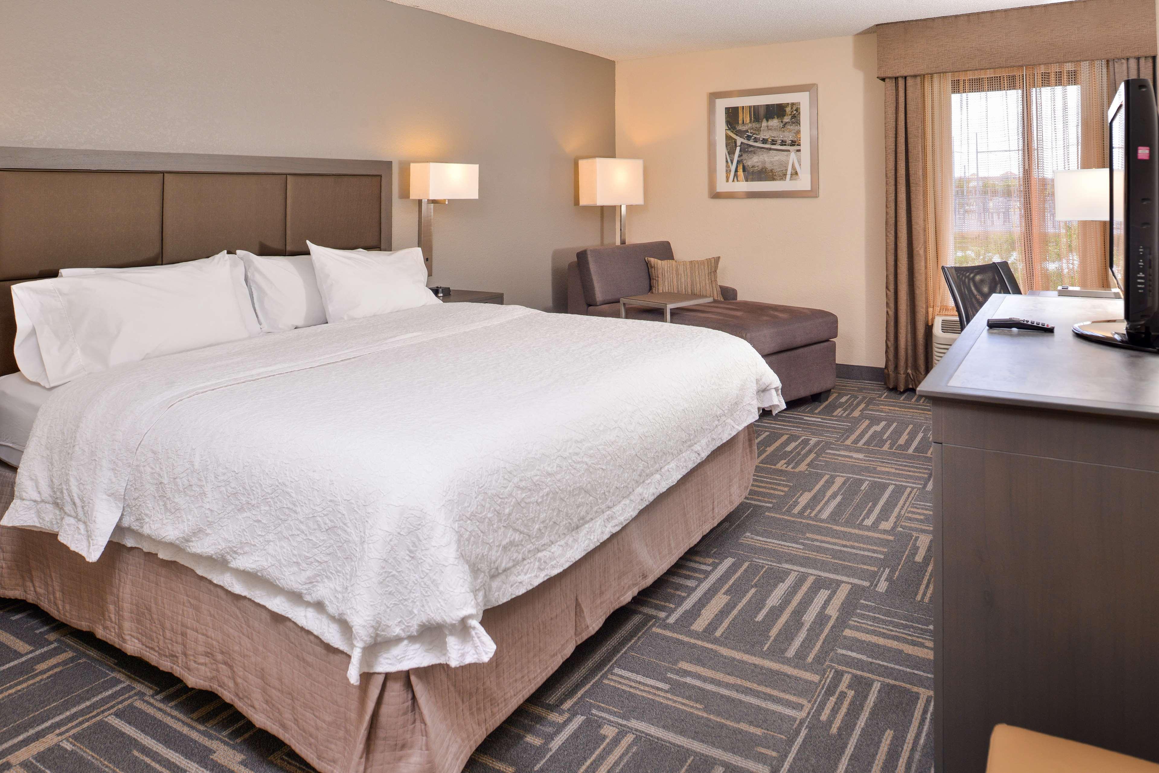Hampton Inn closest to Universal Orlando image 32