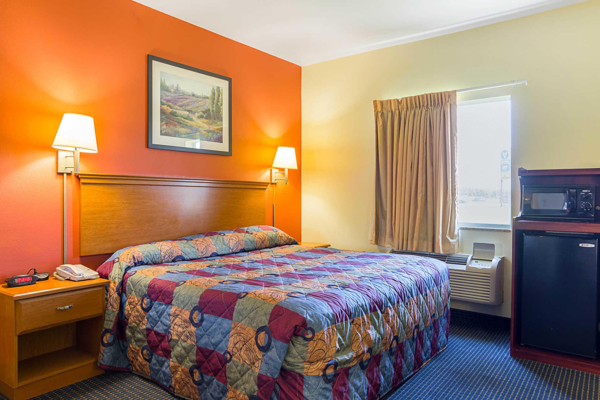 Econo Lodge Inn & Suites Pritchard Road North Little Rock image 16