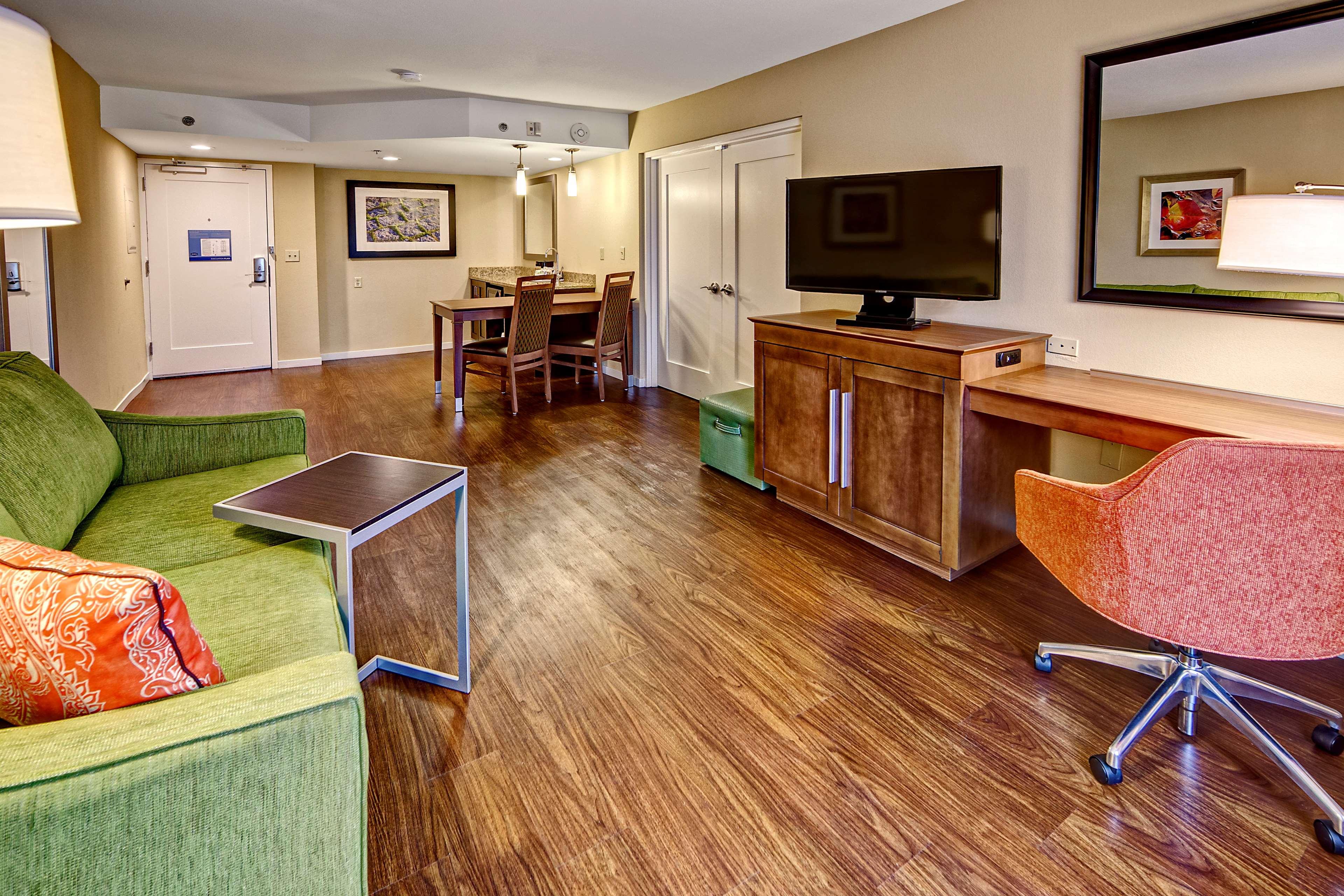 Hampton Inn & Suites Asheville-I-26 image 26